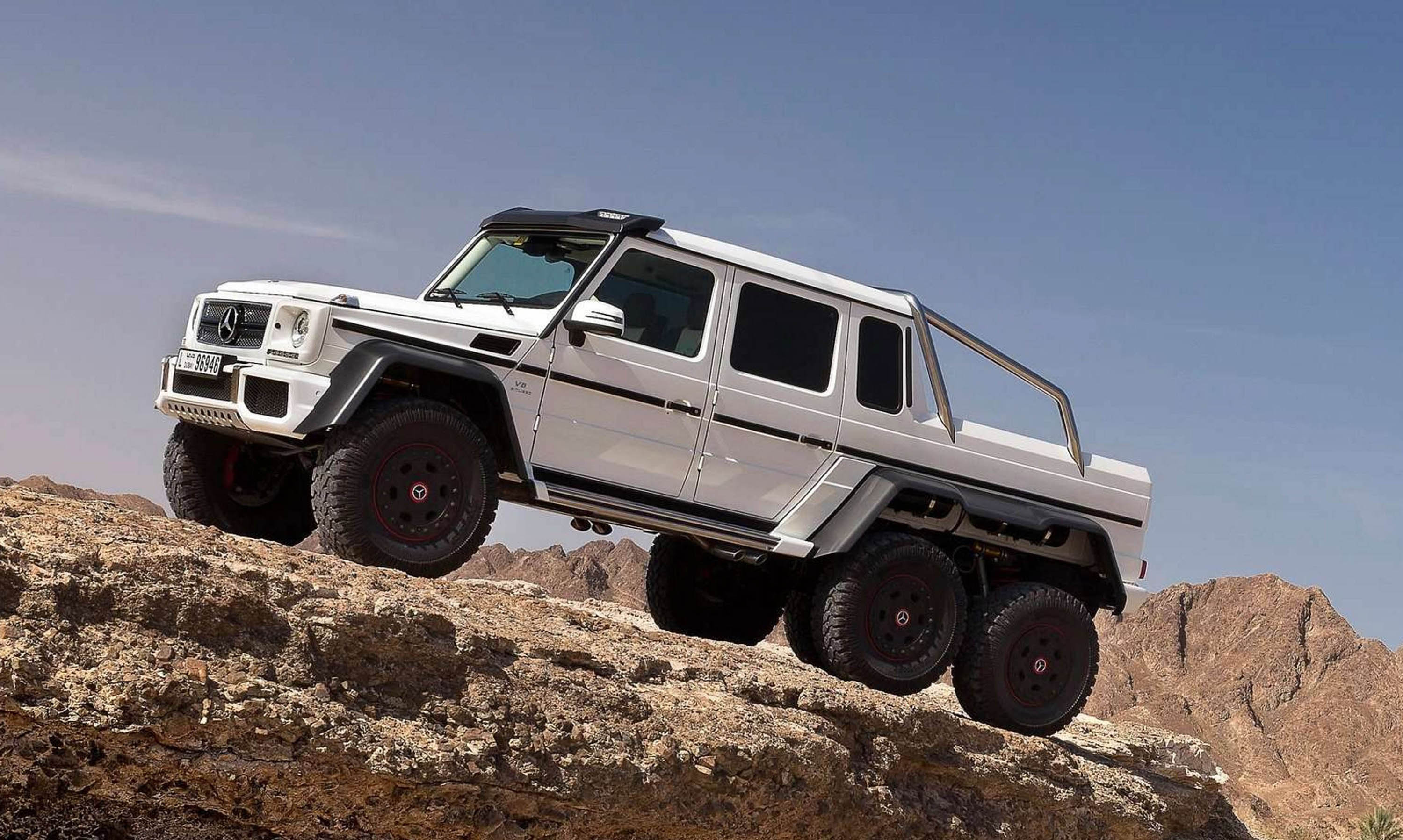 Mercedes benz g 63 amg 6x6 photos photogallery with 6 for Mercedes benz amg 6x6