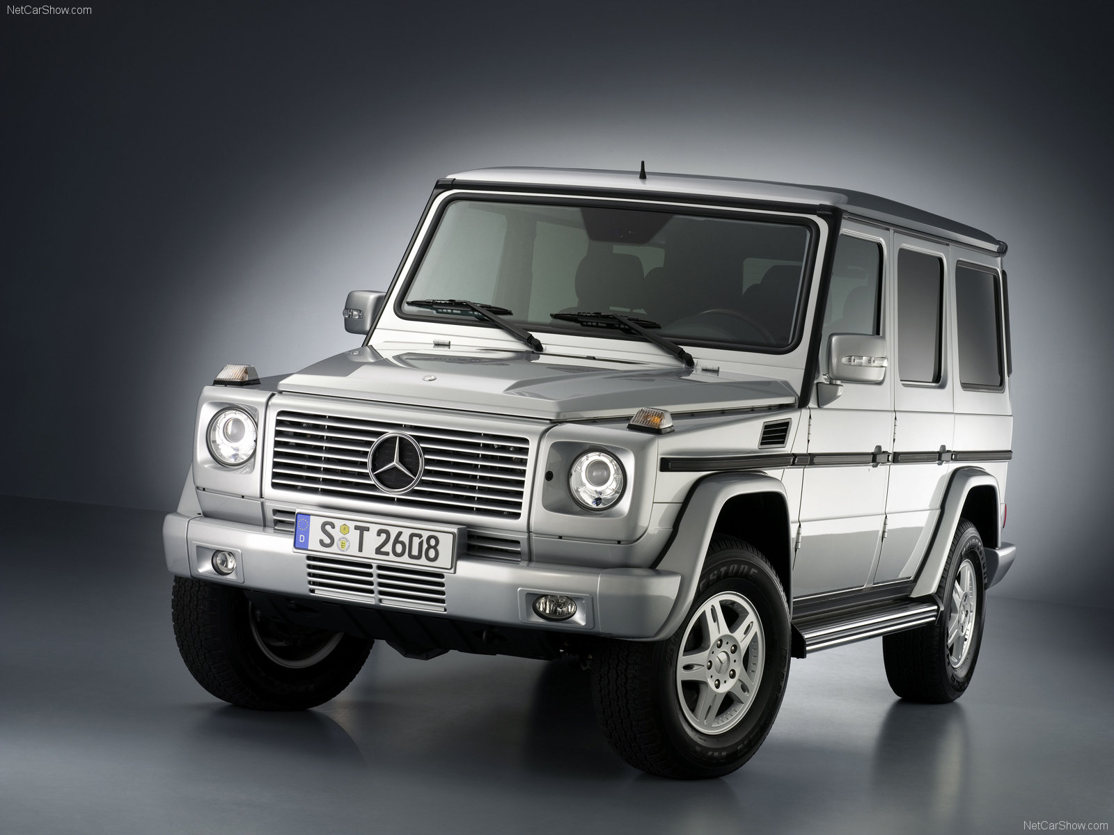 used sport car 2011 mercedes benz g class 2010 wallpaper. Black Bedroom Furniture Sets. Home Design Ideas