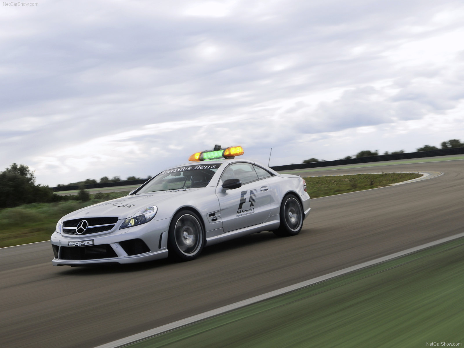 Mercedes benz sl63 amg f1 safety car photos photogallery for Mercedes benz safety
