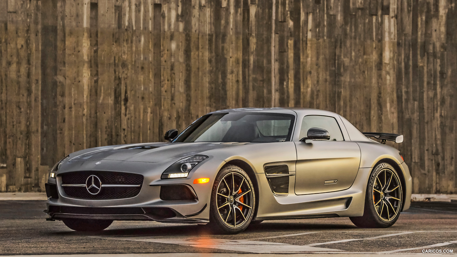 mercedes benz sls amg coupe black series photos photo gallery page 2 carsbasecom