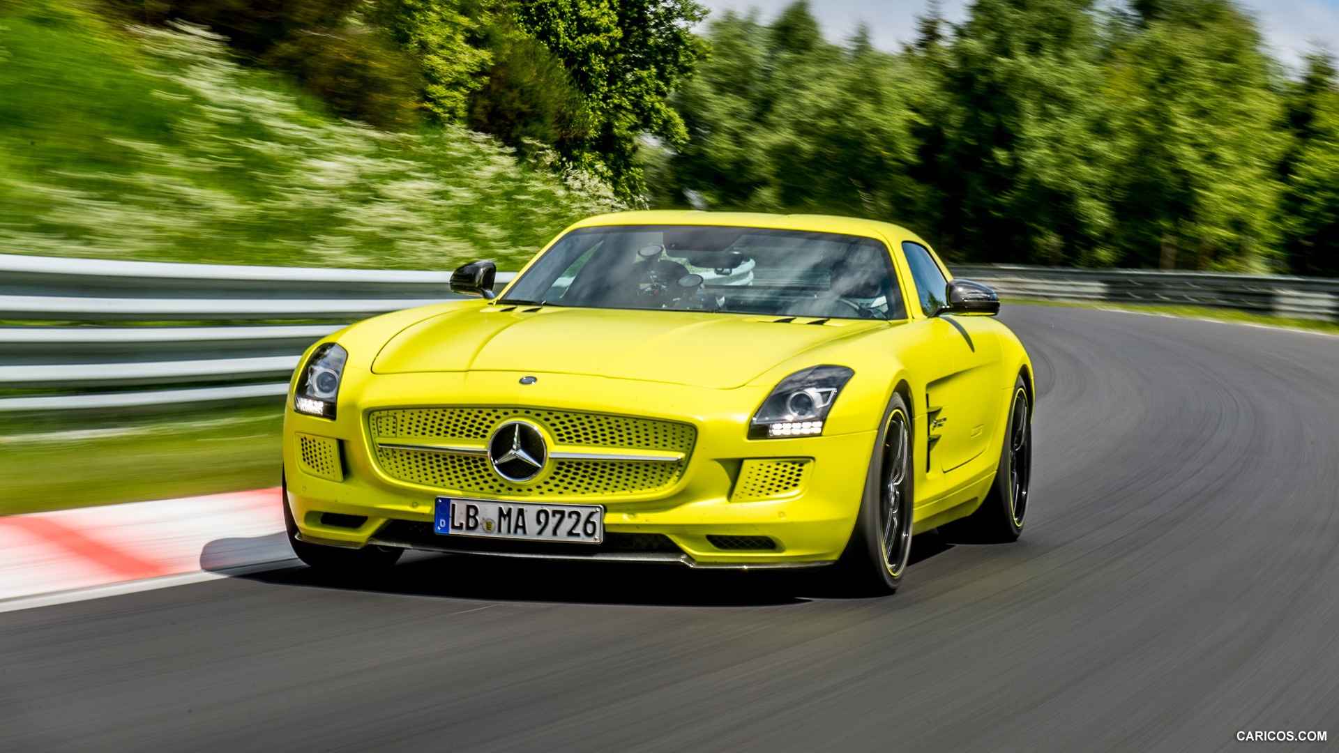 Mercedes benz sls amg coupe electric drive photos photo for Mercedes benz electric drive