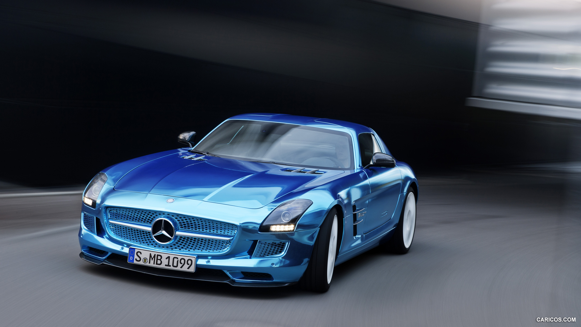 Mercedes benz sls amg coupe electric drive photos for Mercedes benz electric drive