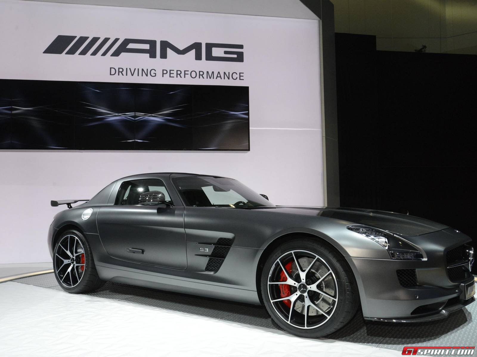Mercedes benz sls amg gt final edition photos for Mercedes benz amg vision gt price