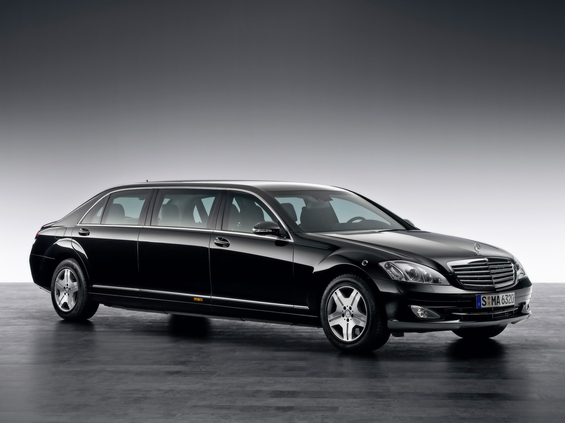 Mercedes-Benz S 600 Pullman Guard Limousine photos ...