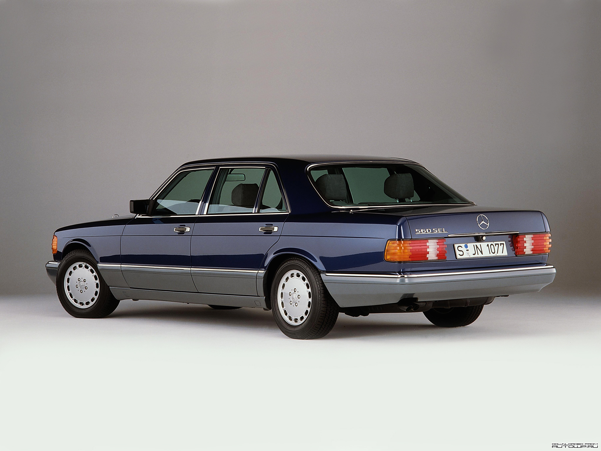 You can vote for this Mercedes-Benz S-Class W126 photo