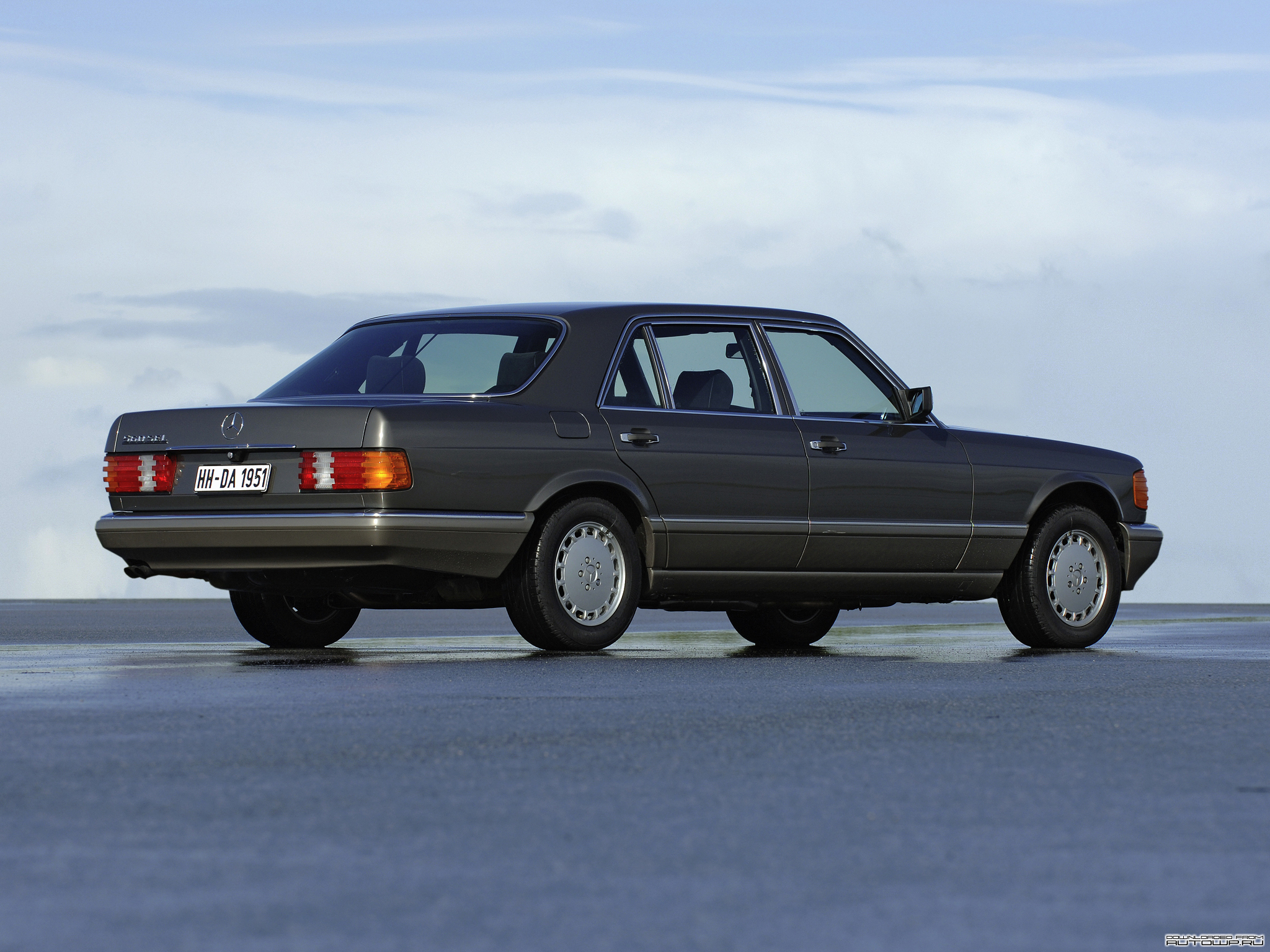 The w126 sel longbody history picture thread page 3 for Mercedes benz forum s class