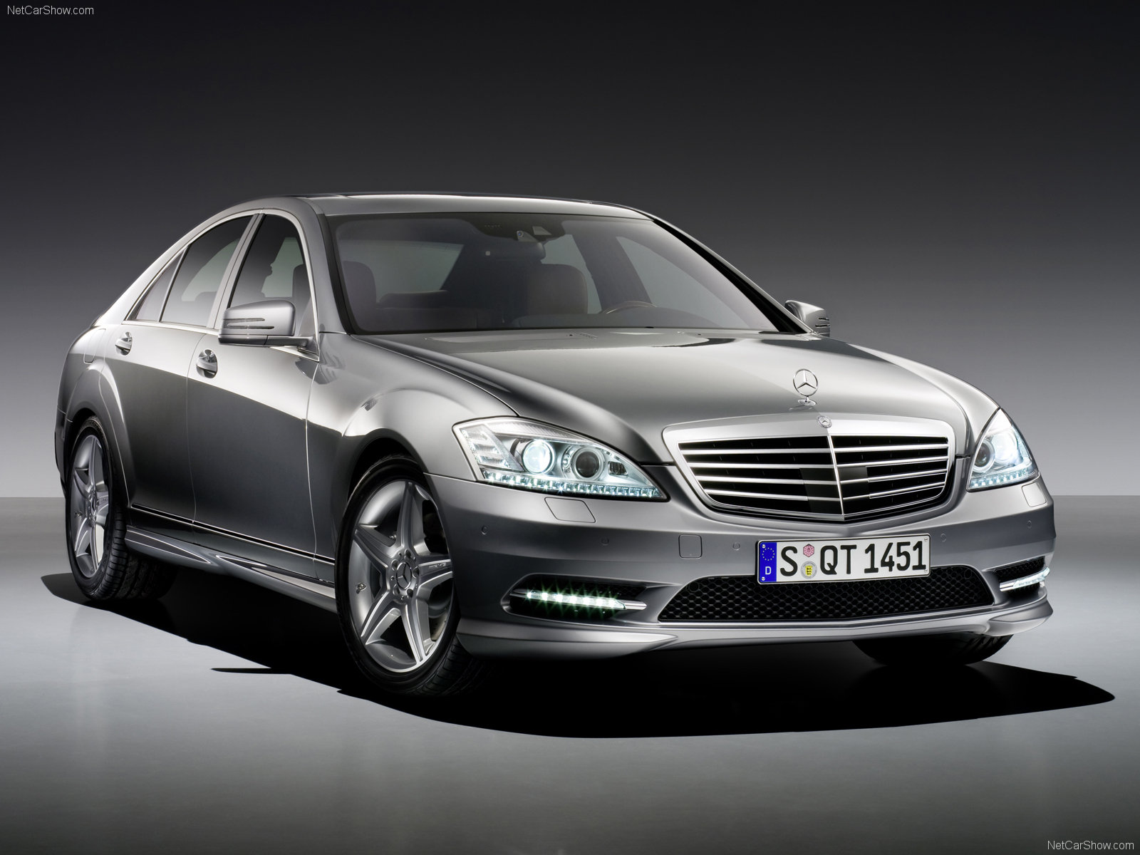 You can vote for this Mercedes-Benz S-Class photo
