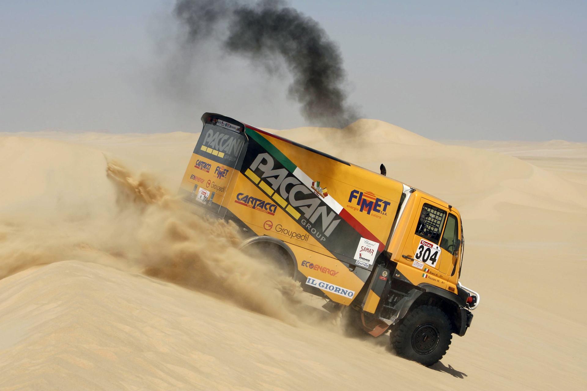 Mercedes-Benz Unimog Dakar photos - PhotoGallery with 8 ...
