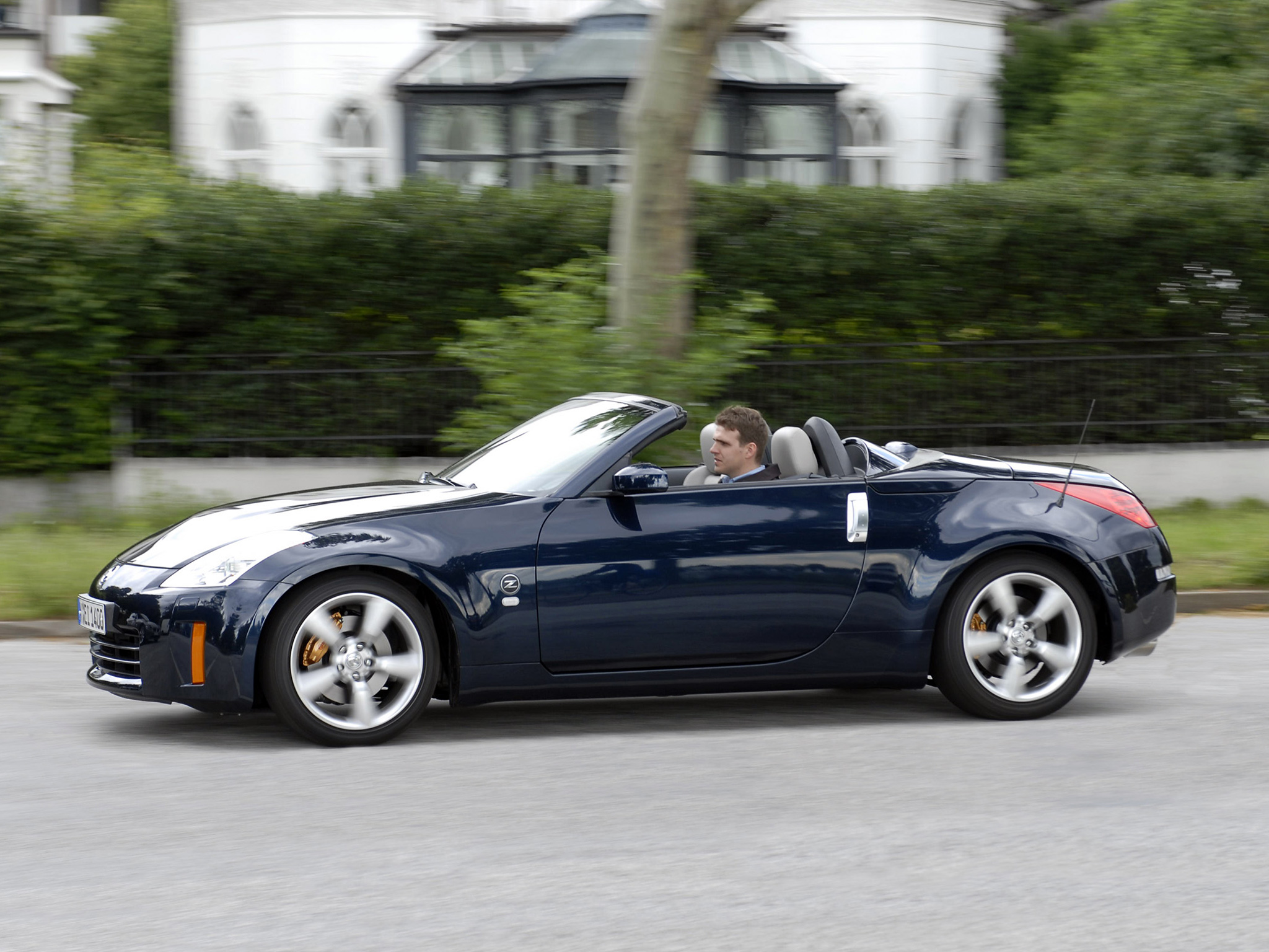Nissan 350z Roadster Photos Photogallery With 47 Pics
