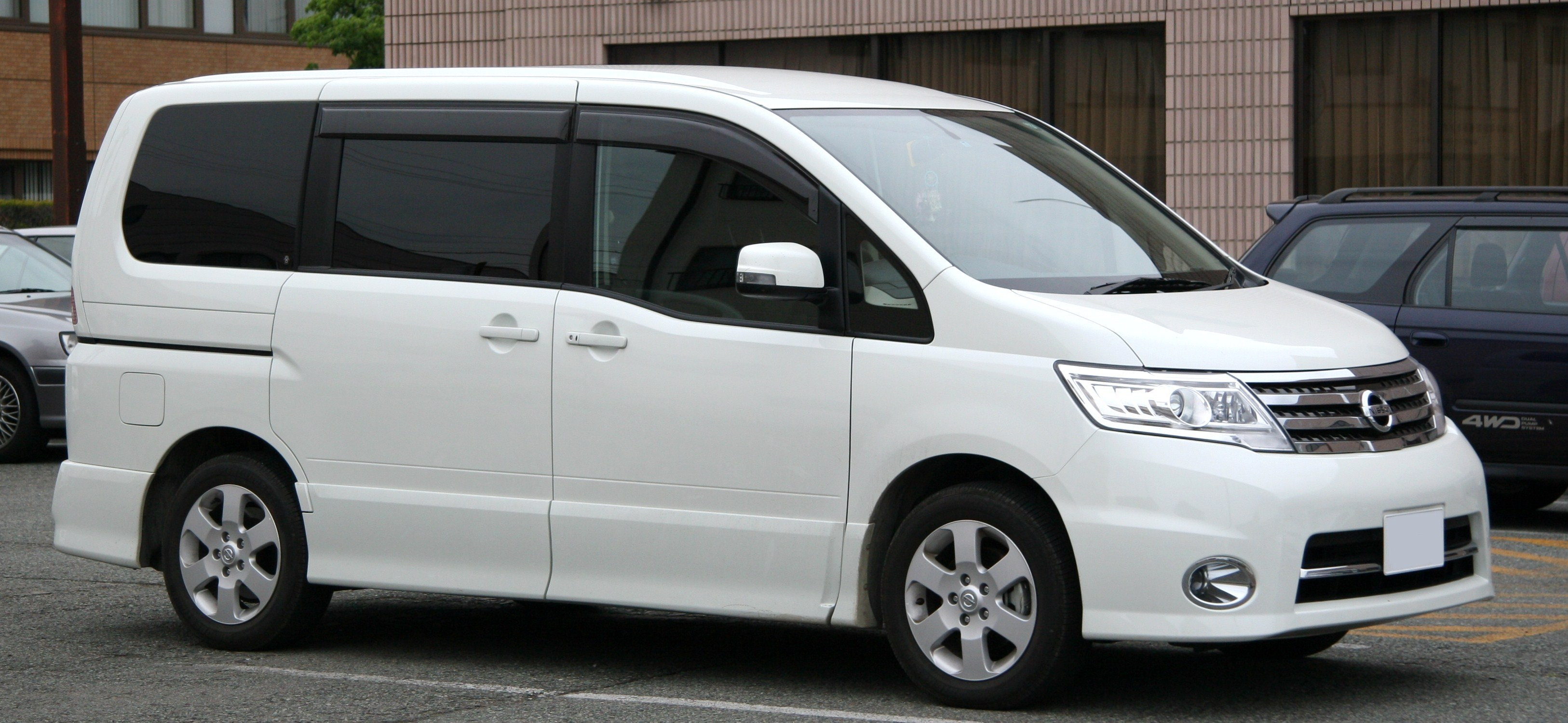 Nissan Serena photo 106166