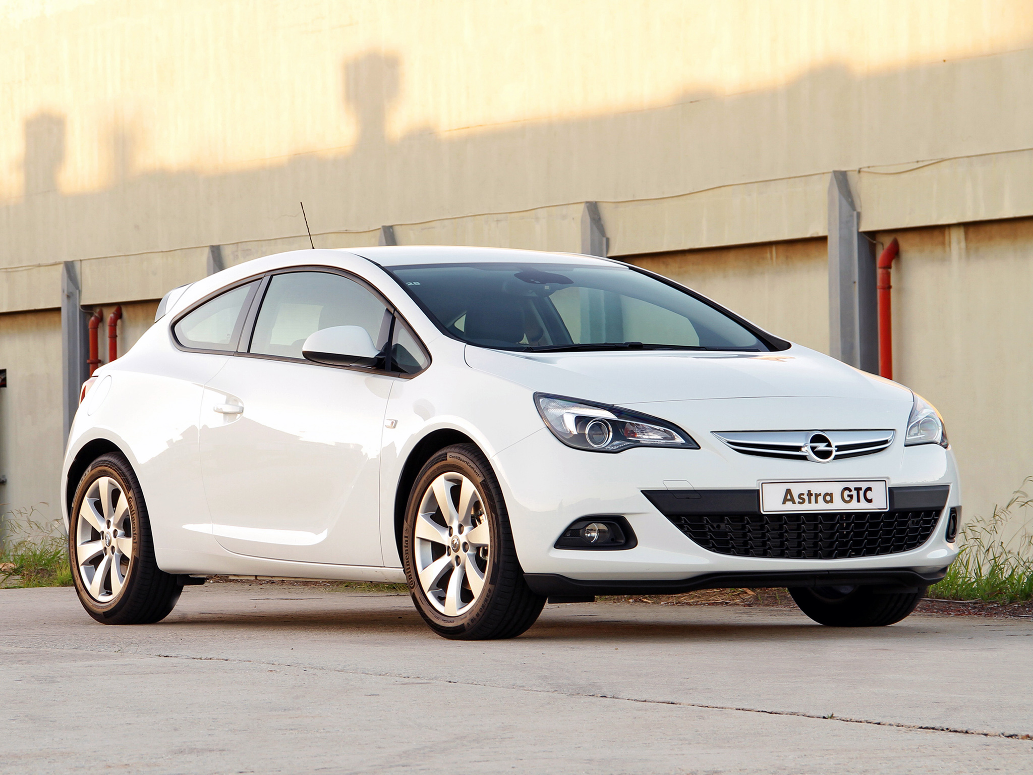opel astra gtc picture 90407 opel photo gallery. Black Bedroom Furniture Sets. Home Design Ideas