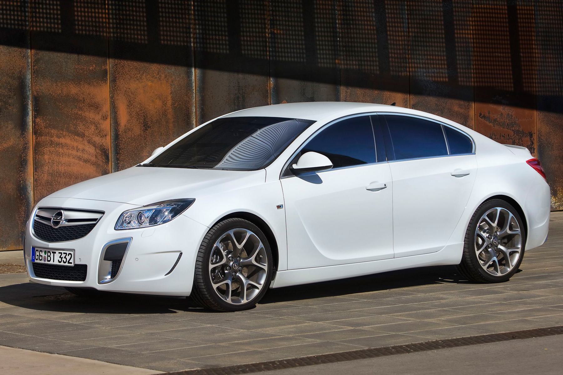 opel insignia opc photos photogallery with 16 pics. Black Bedroom Furniture Sets. Home Design Ideas