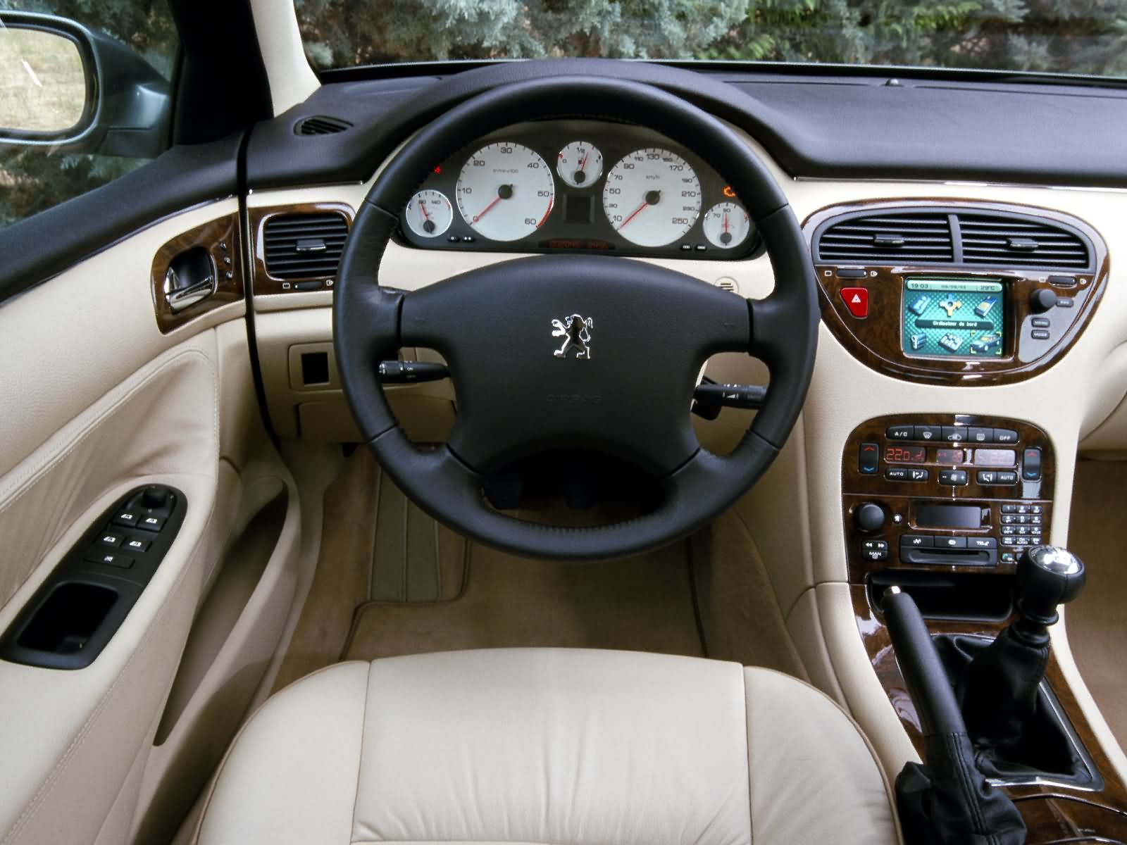 Peugeot 607 picture 10546 peugeot photo gallery for Interieur 607 v6