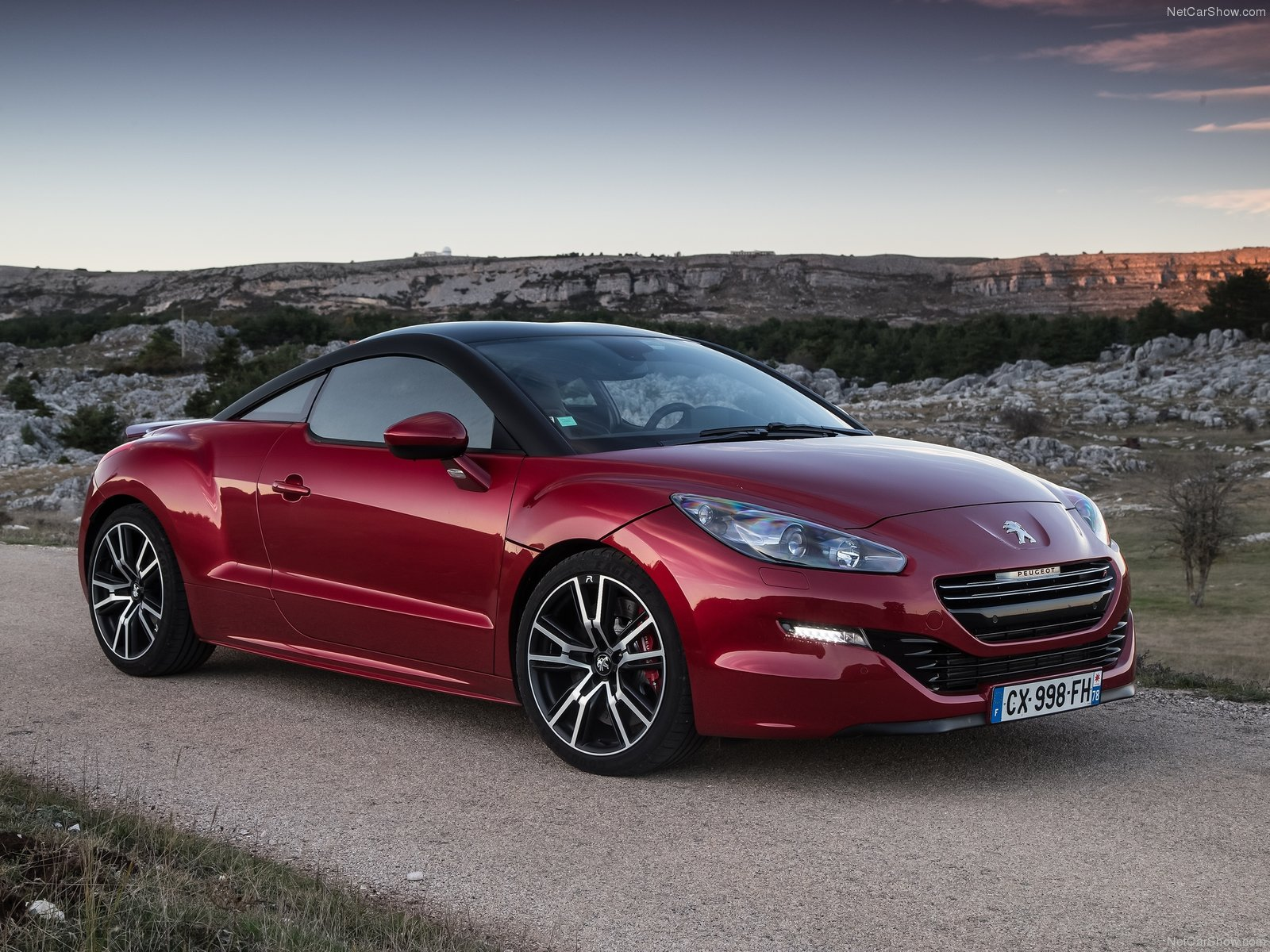 peugeot rcz r photos photogallery with 17 pics. Black Bedroom Furniture Sets. Home Design Ideas