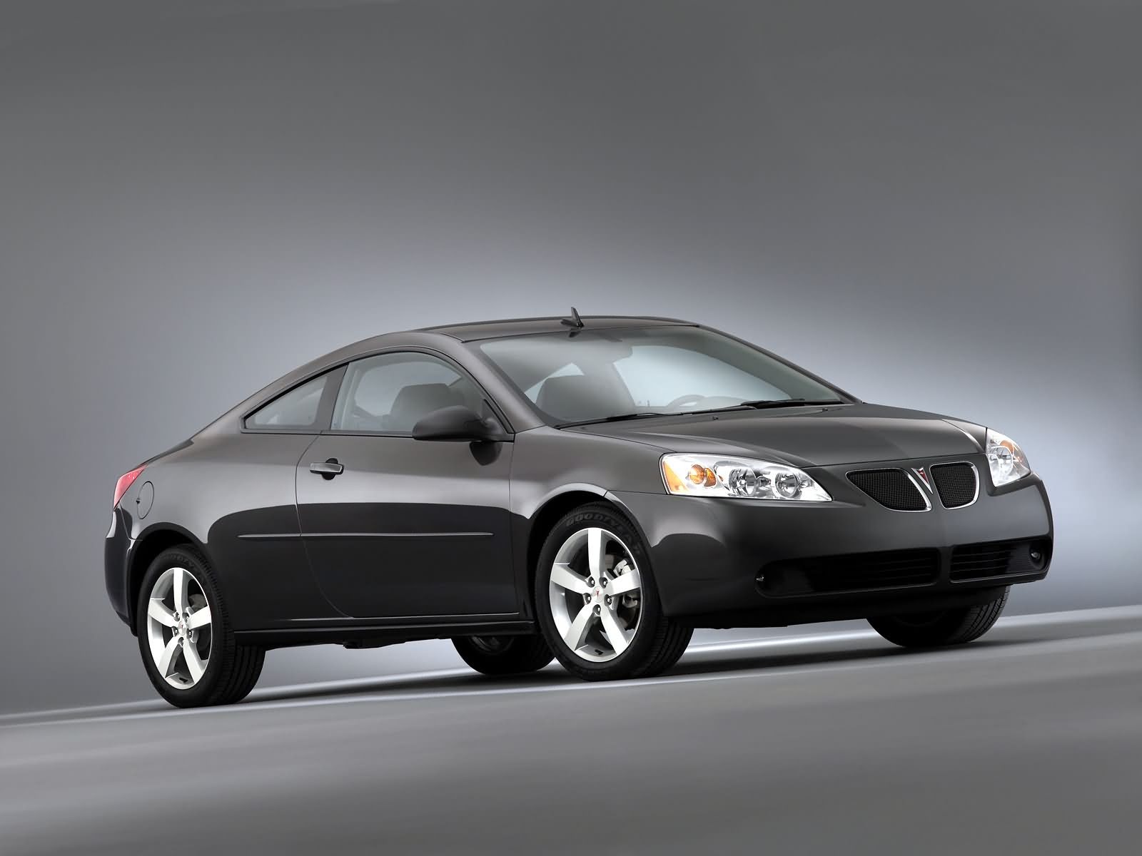 pontiac g6 gtp coupe photos photogallery with 4 pics. Black Bedroom Furniture Sets. Home Design Ideas