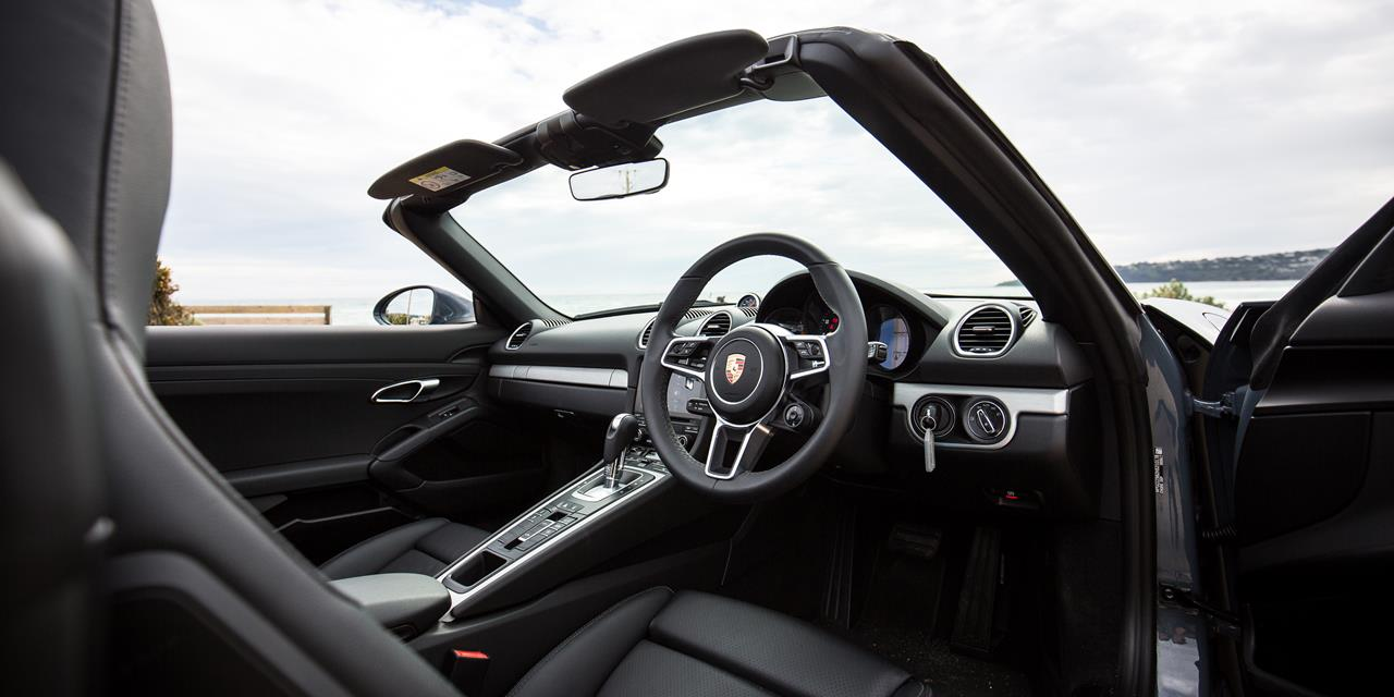 Porsche 718 Boxster photo 170304
