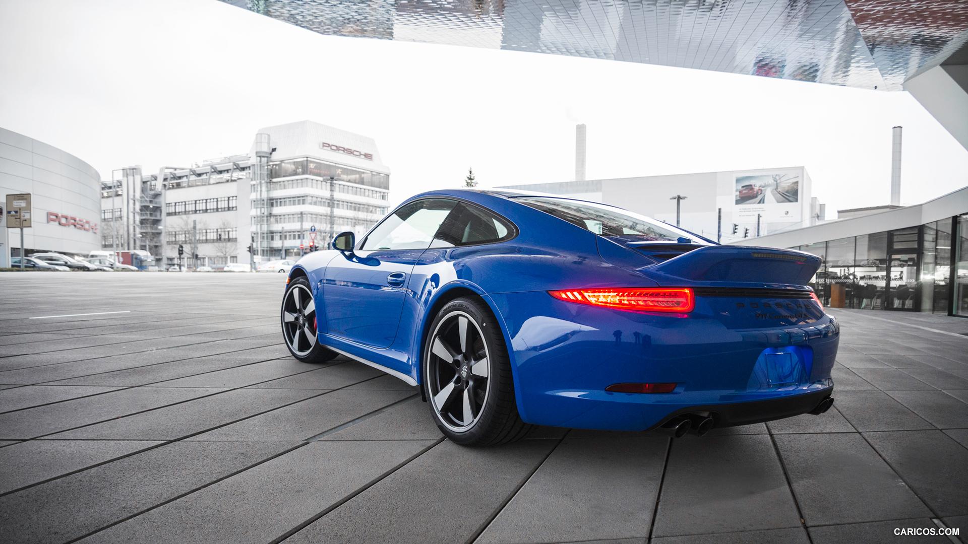 New Porsche 911 Carrera GTS Pictures