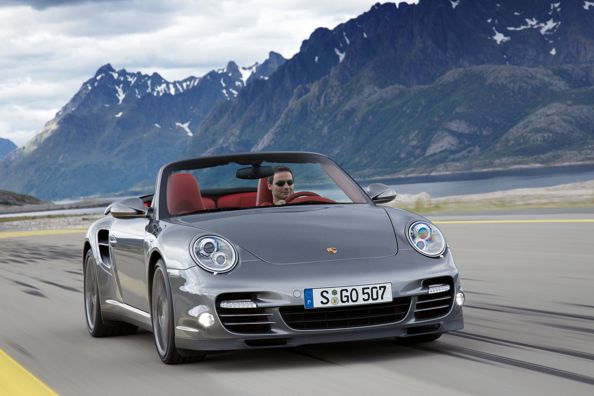 porsche 911 turbo cabriolet 997 photos photogallery with 15 pics. Black Bedroom Furniture Sets. Home Design Ideas