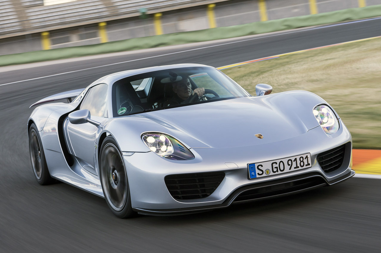 porsche 918 spyder photos photogallery with 52 pics. Black Bedroom Furniture Sets. Home Design Ideas
