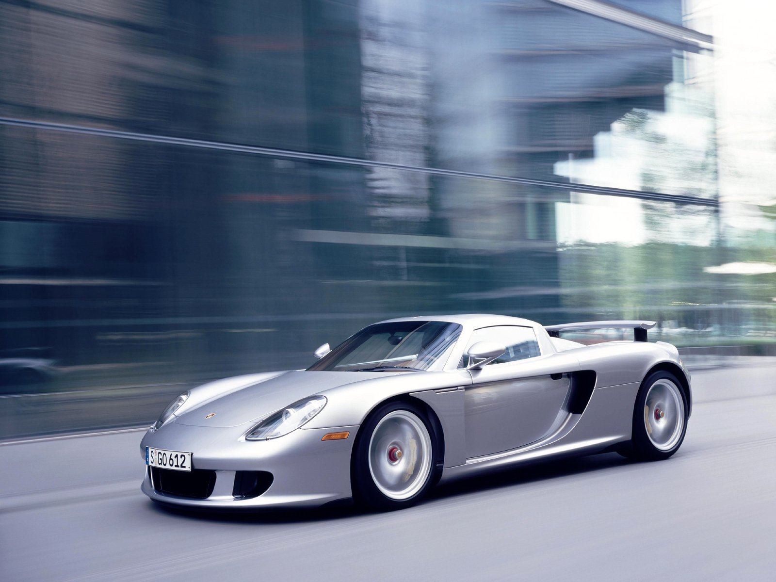 You can vote for this Porsche Carrera GT photo
