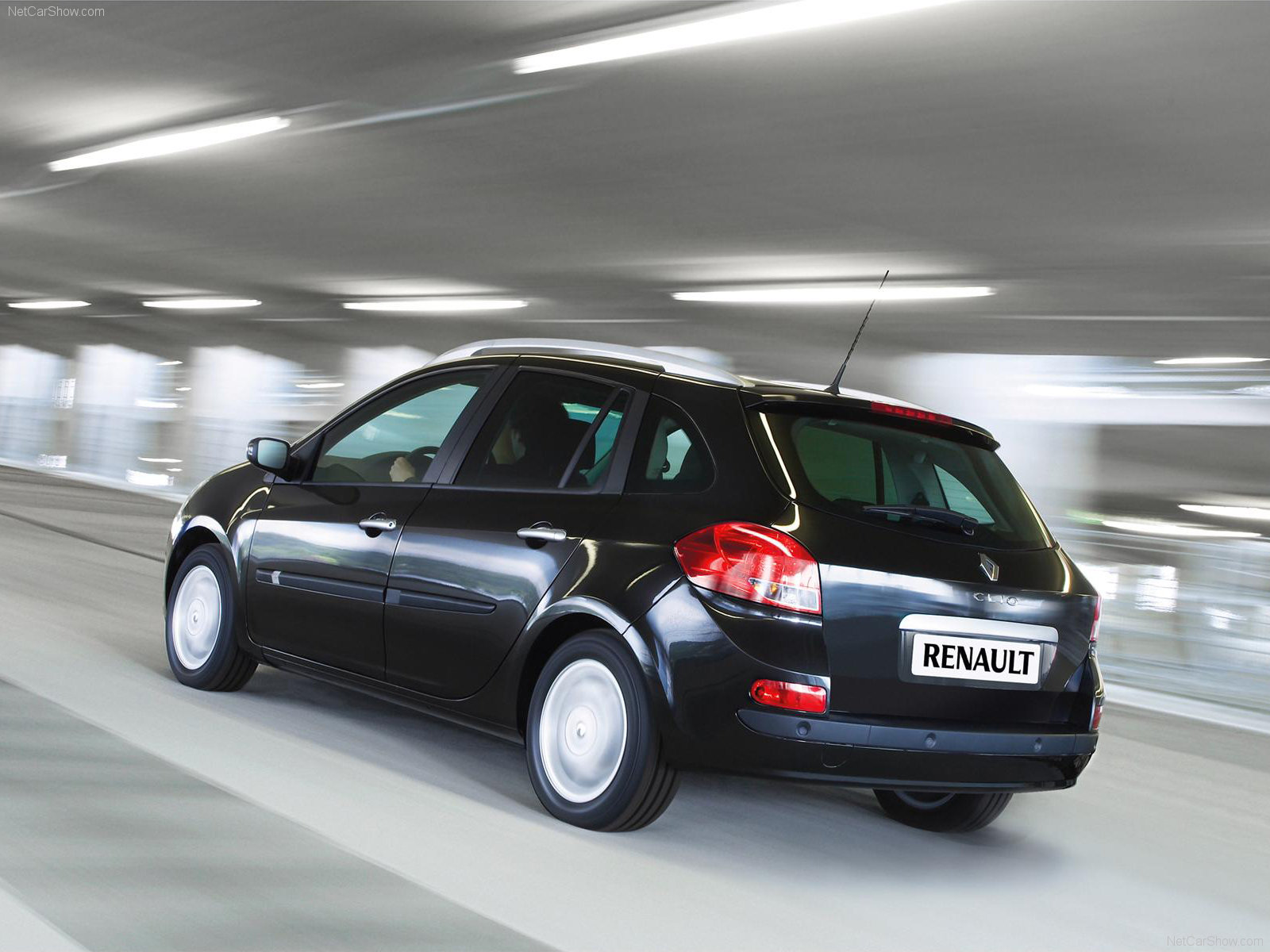 renault clio estate photos photogallery with 29 pics. Black Bedroom Furniture Sets. Home Design Ideas