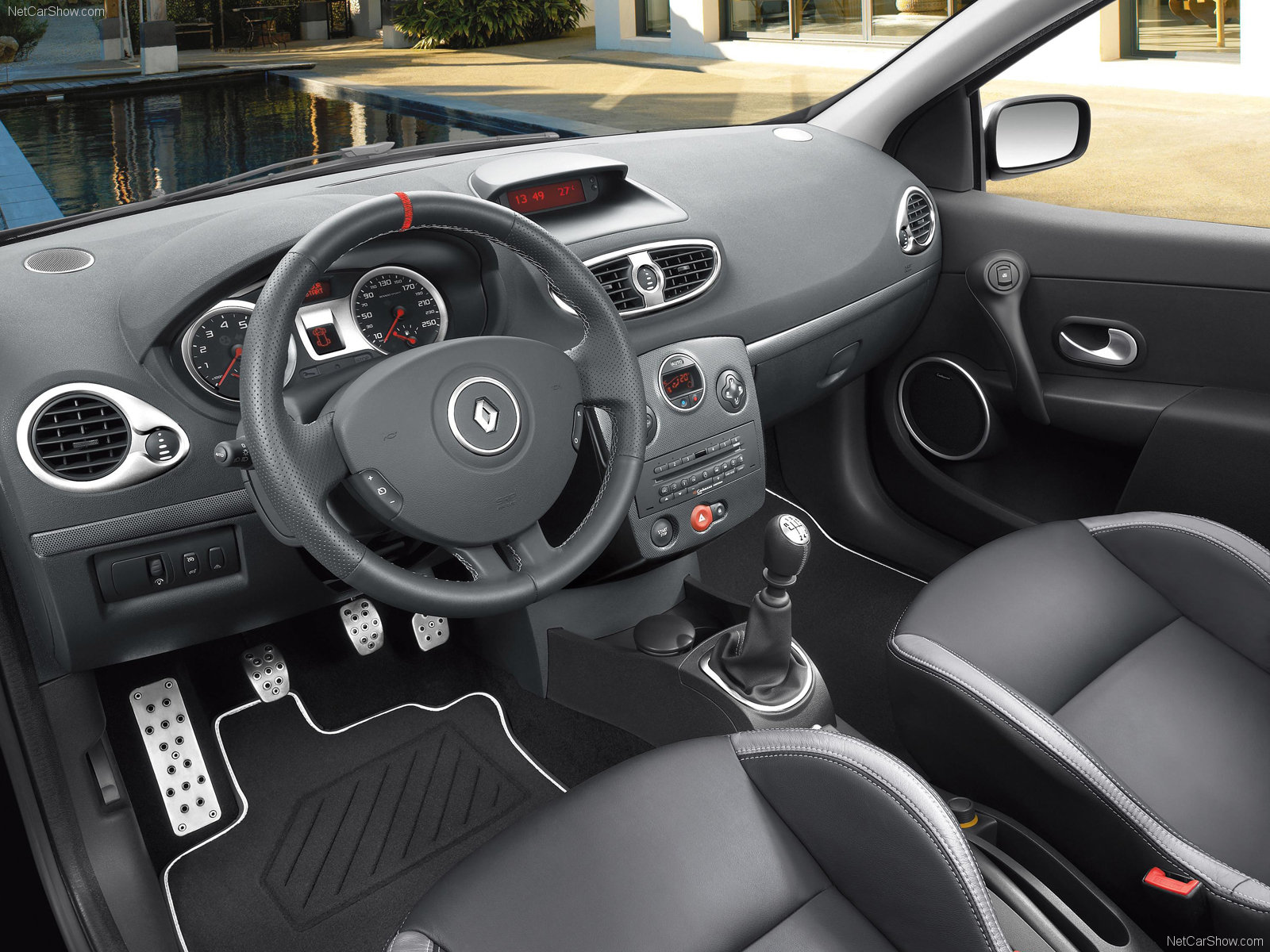 renault clio rs luxe photos photogallery with 7 pics. Black Bedroom Furniture Sets. Home Design Ideas
