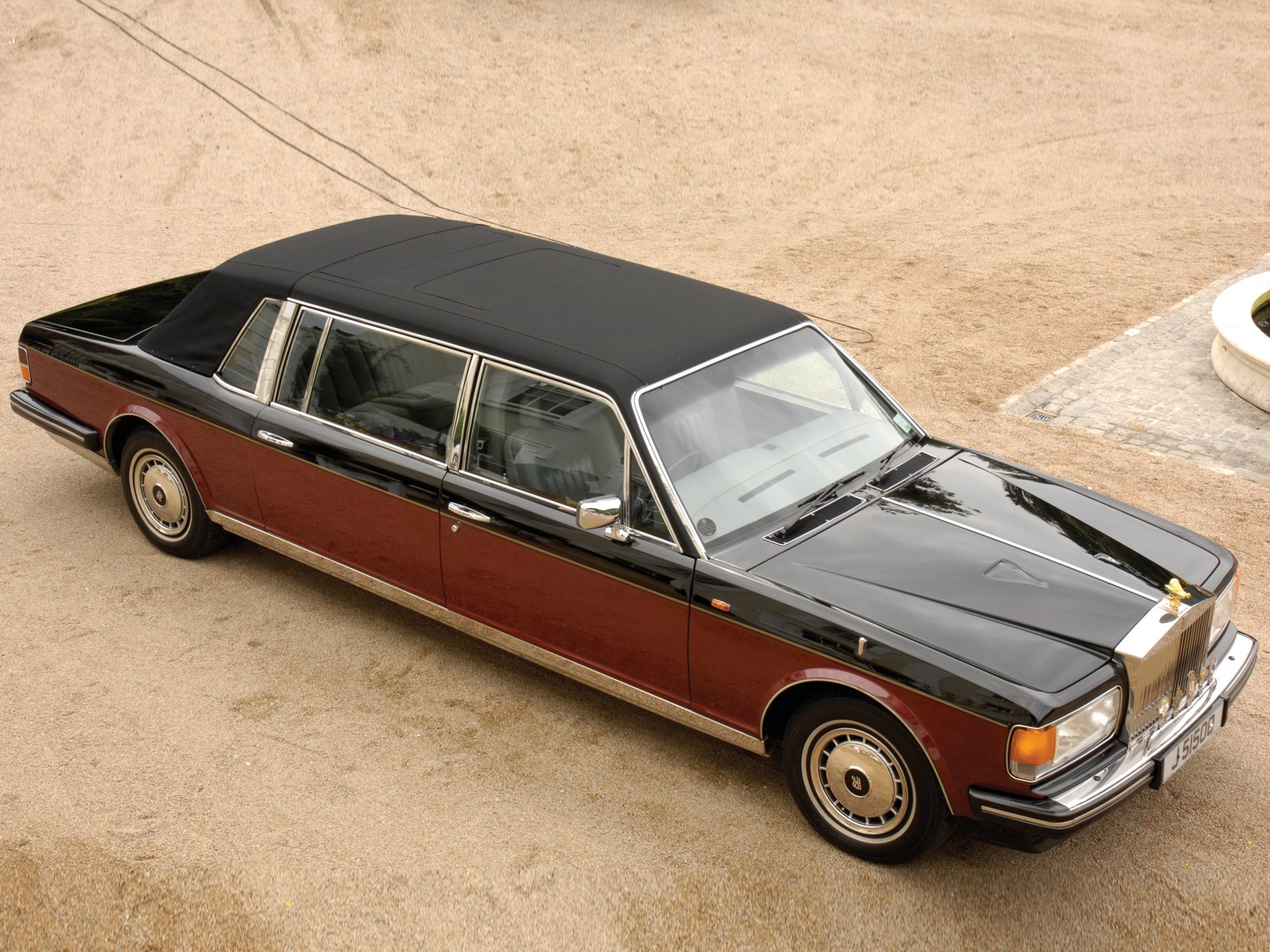 rolls royce silver spirit photos photogallery with 9. Black Bedroom Furniture Sets. Home Design Ideas