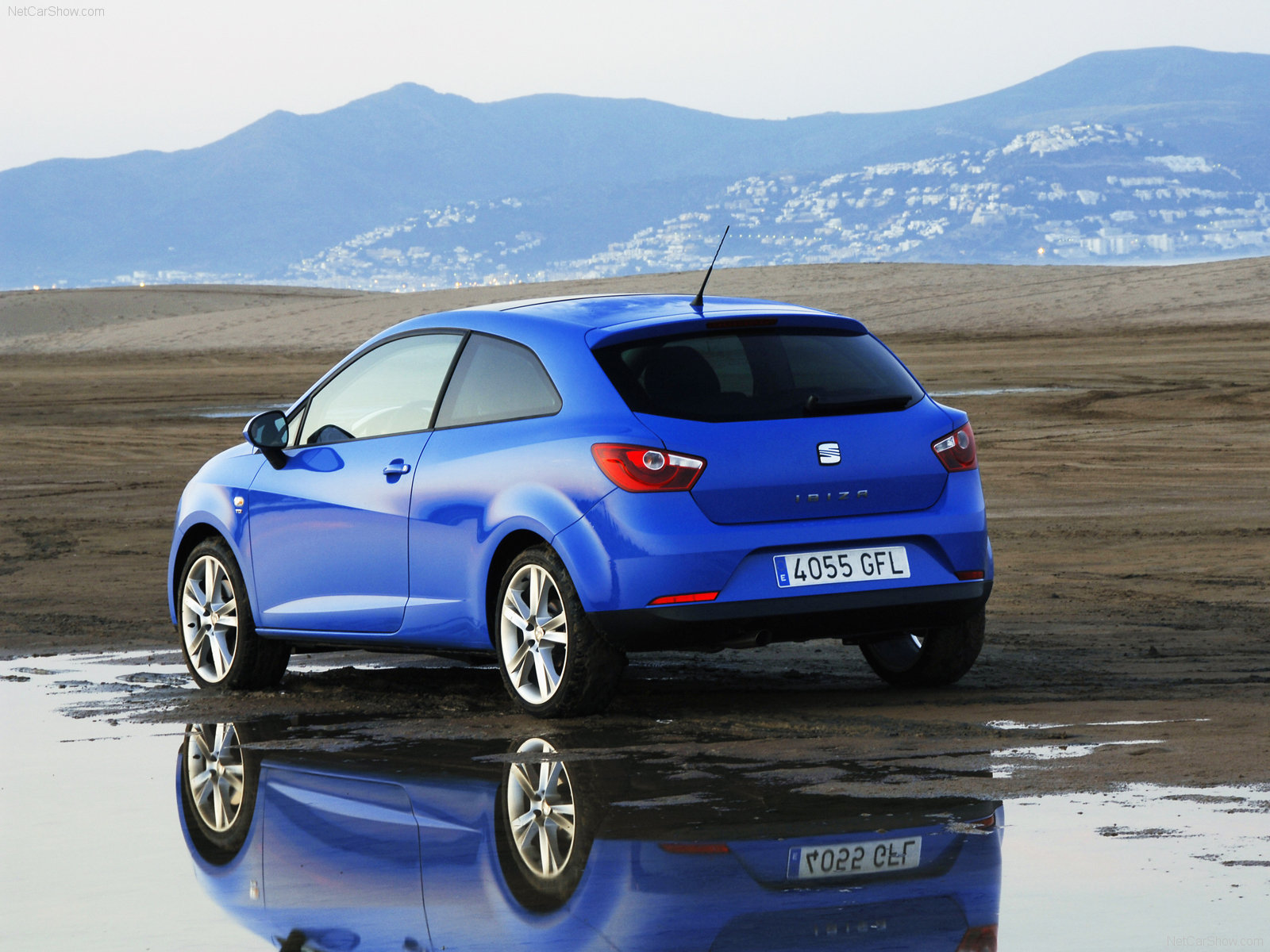seat ibiza sportcoupe photos photogallery with 30 pics. Black Bedroom Furniture Sets. Home Design Ideas