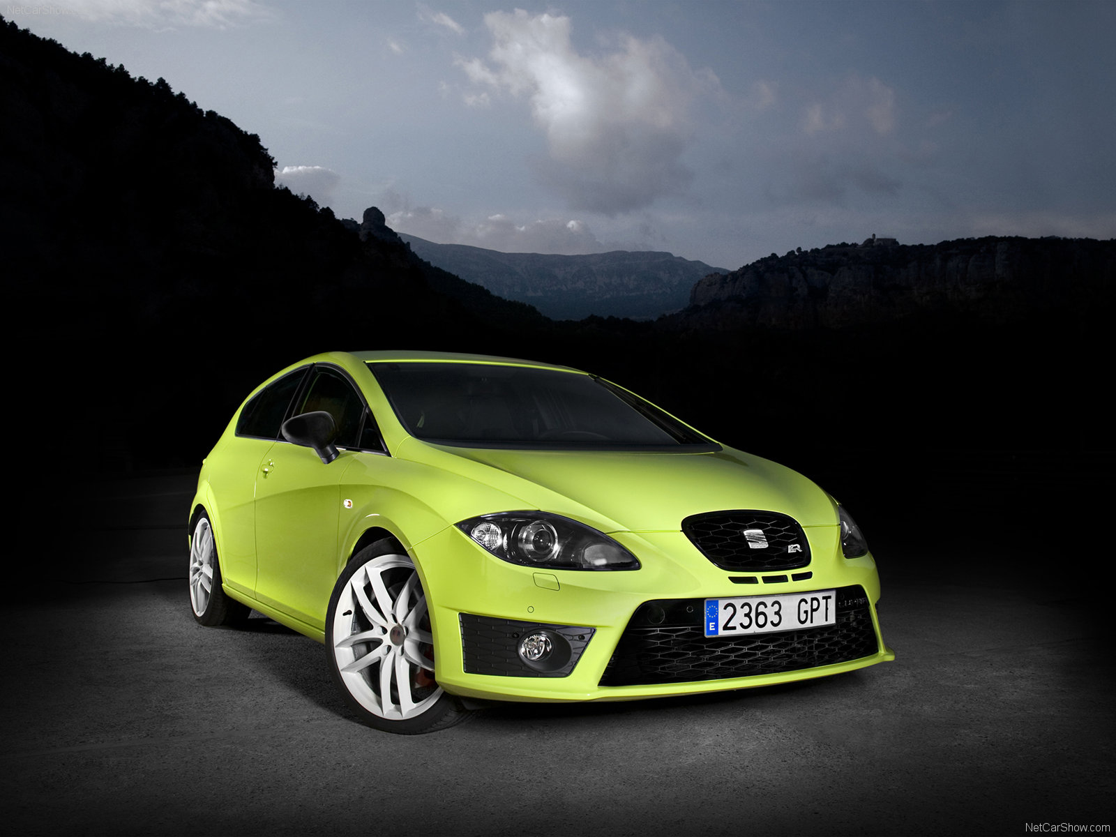 seat leon cupra r photos photogallery with 59 pics. Black Bedroom Furniture Sets. Home Design Ideas