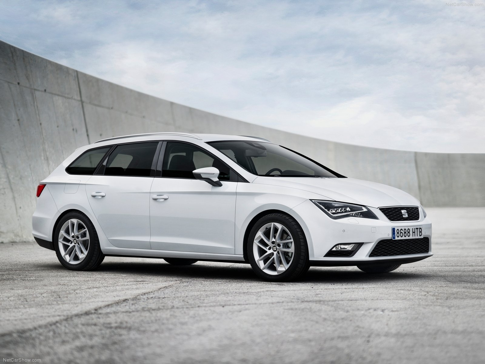seat leon st photos photogallery with 55 pics. Black Bedroom Furniture Sets. Home Design Ideas