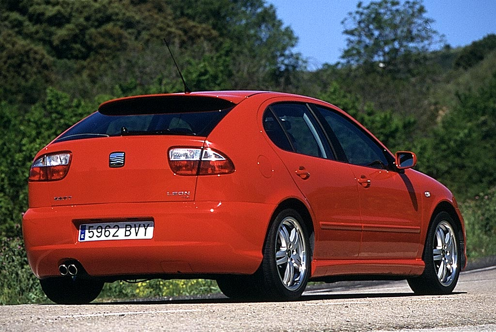 seat leon sport photos photogallery with 23 pics. Black Bedroom Furniture Sets. Home Design Ideas