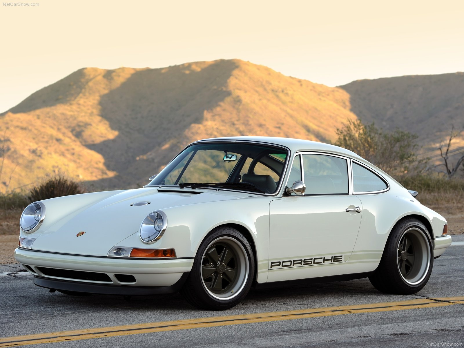 Singer 911 Photos Photogallery With 49 Pics Carsbase Com