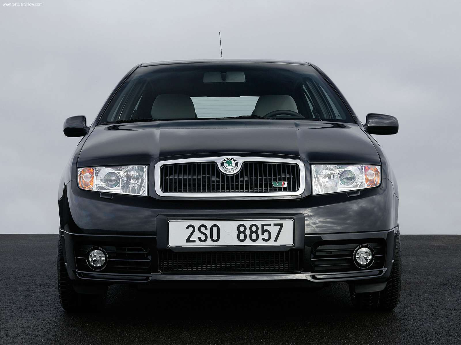 skoda fabia rs photos photogallery with 18 pics. Black Bedroom Furniture Sets. Home Design Ideas