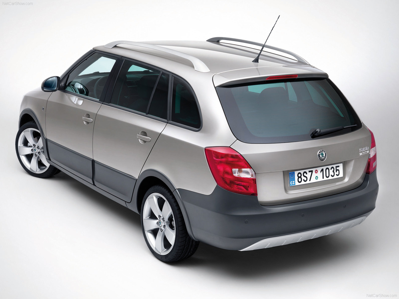 skoda fabia scout photos photogallery with 10 pics. Black Bedroom Furniture Sets. Home Design Ideas