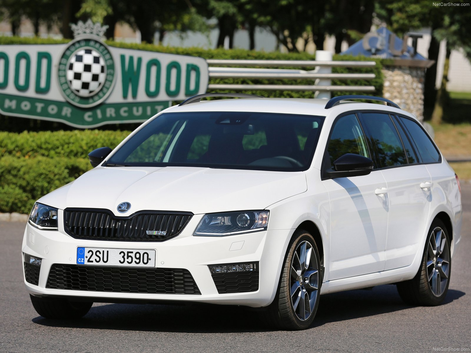 skoda octavia rs combi picture 115615 skoda photo gallery. Black Bedroom Furniture Sets. Home Design Ideas