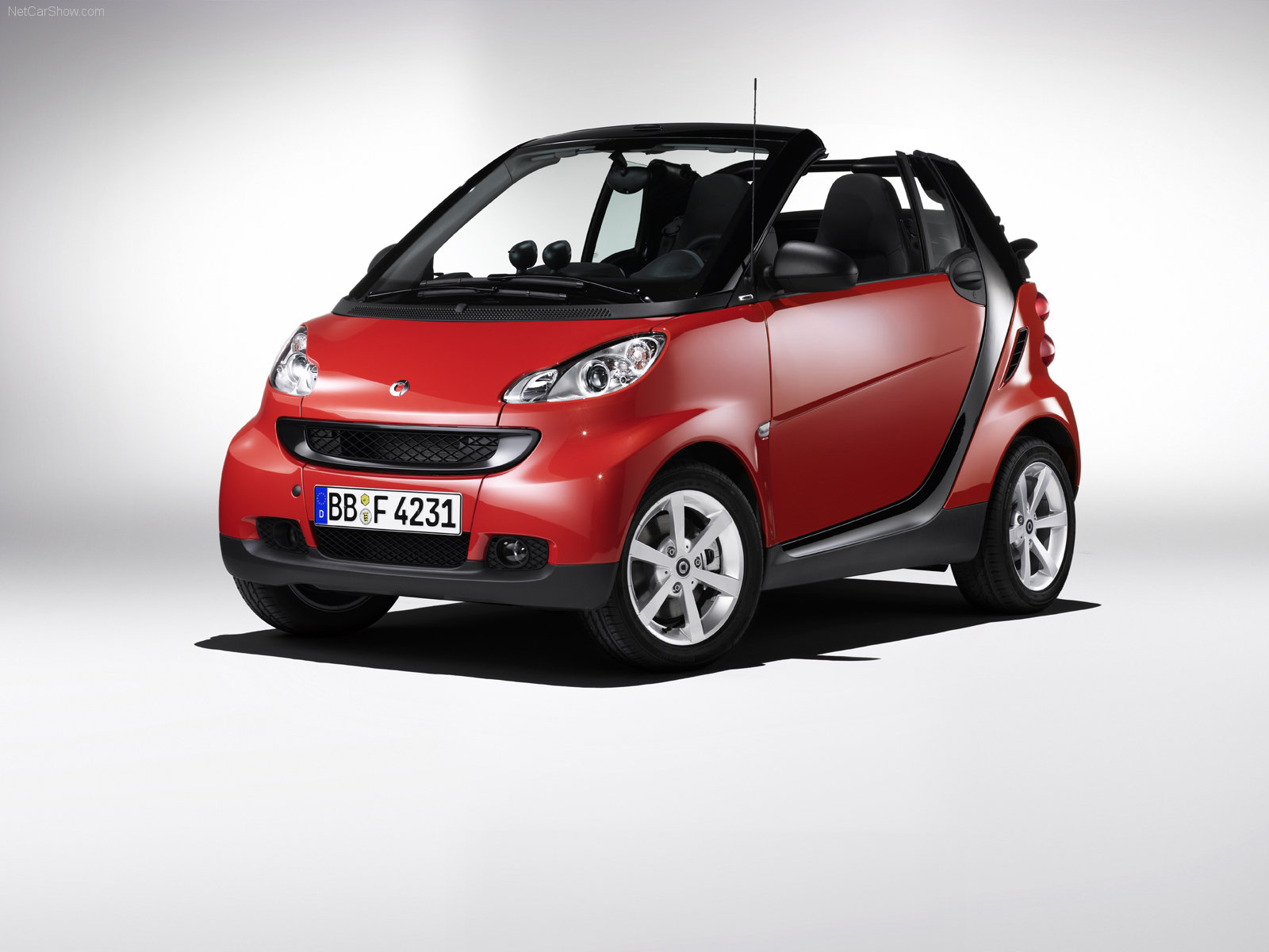 smart fortwo cabrio photos photogallery with 88 pics. Black Bedroom Furniture Sets. Home Design Ideas