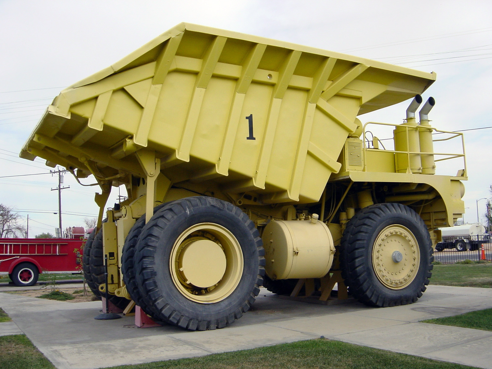 Terex Lectra Haul M100 Photos Photogallery With 4 Pics Carsbase Com