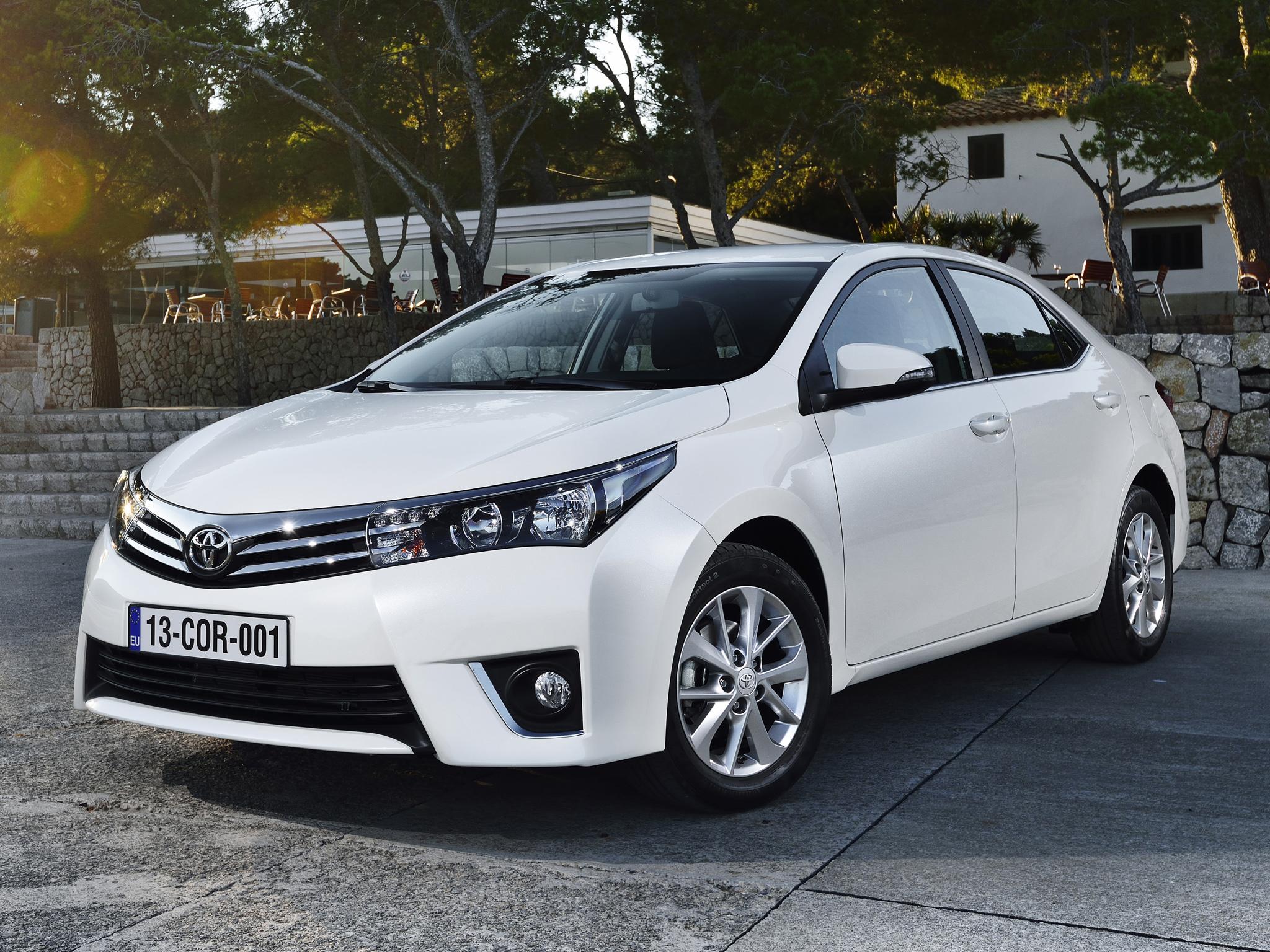 нова Toyota Королла 2013