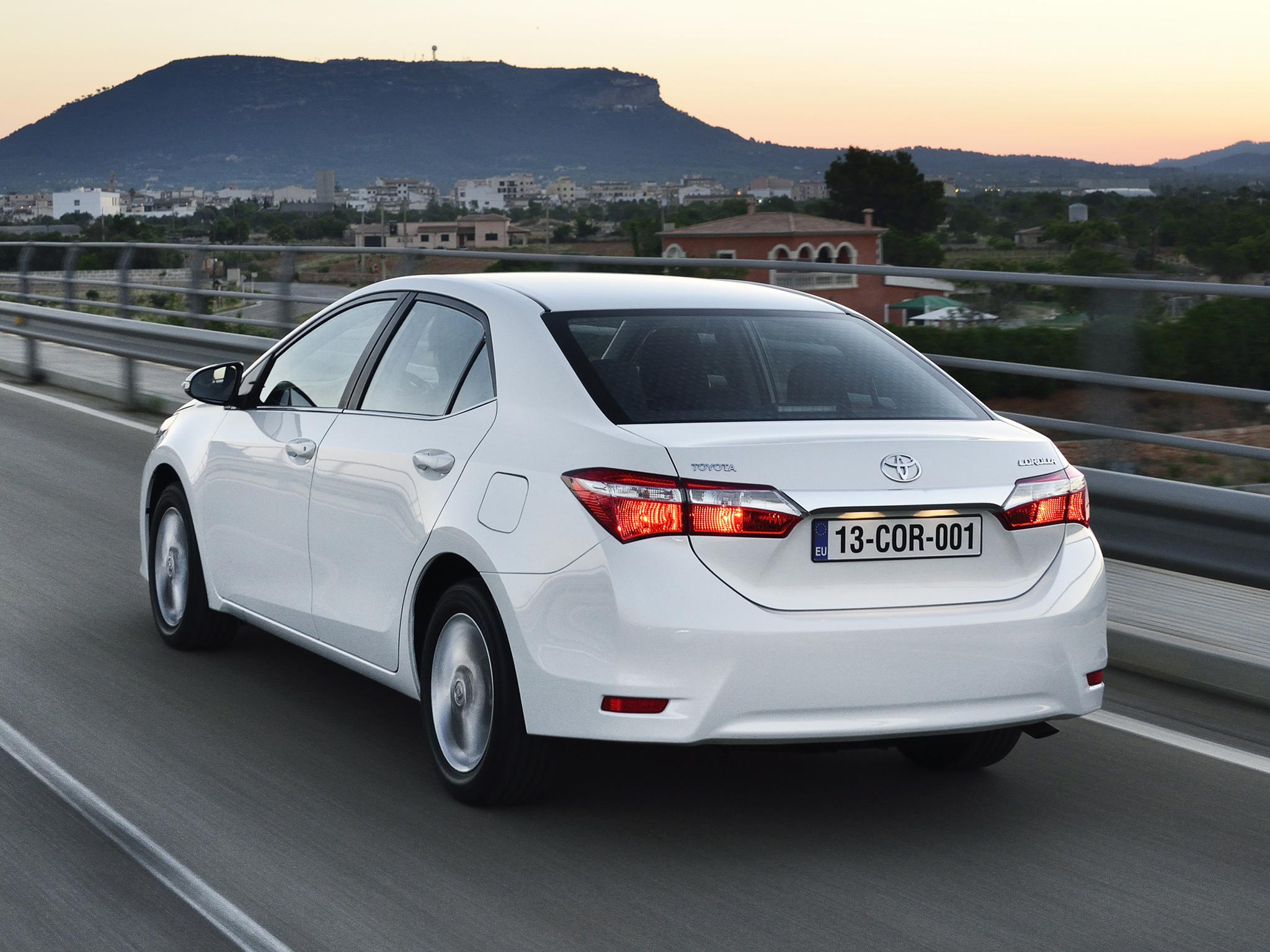 нова Toyota Королла 2013 #10