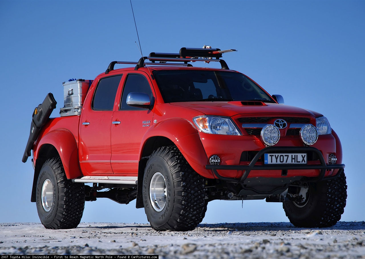 Toyota Hilux Invincible Photos Photogallery With 2 Pics