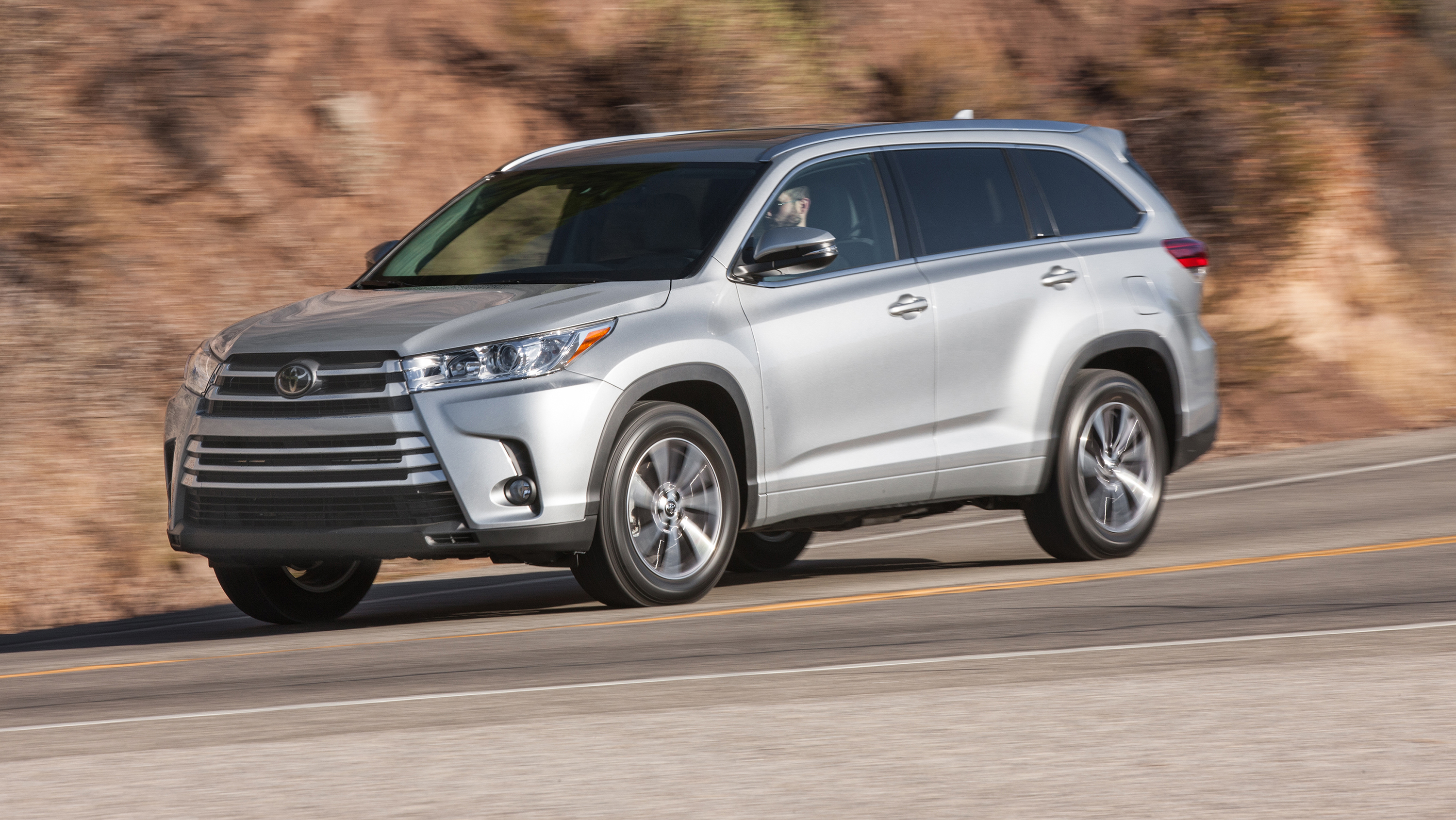 2017 Toyota Highlander Pictures | Photo Gallery | Car and ...