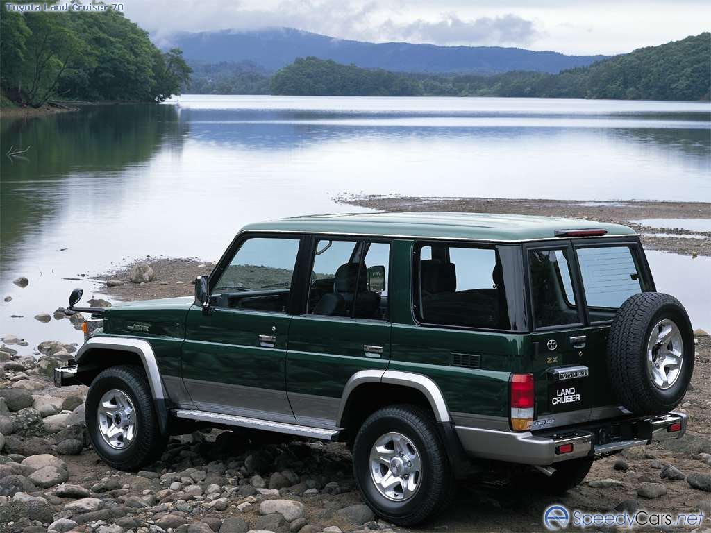 Toyota Land Cruiser 78 Photos Photogallery With 2 Pics