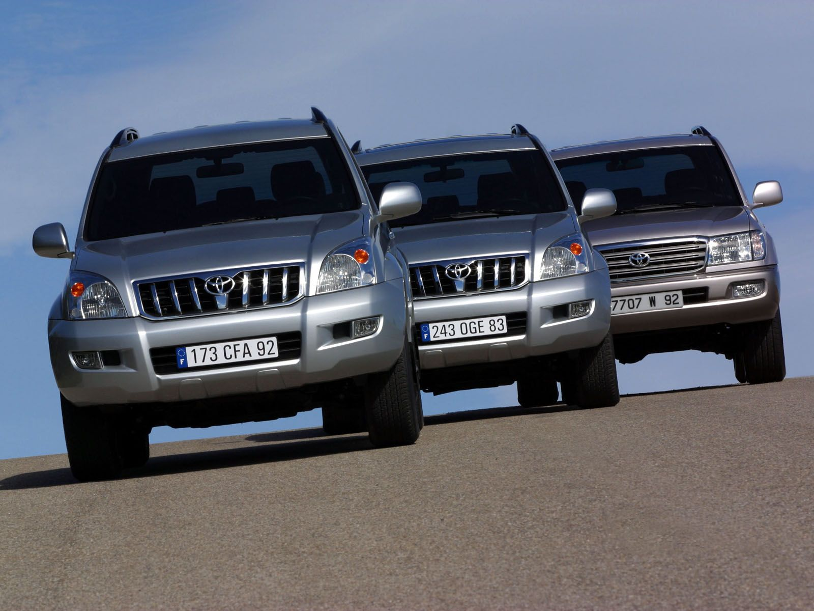 Toyota Navigation Update >> Toyota Land Cruiser Prado 120 photos - PhotoGallery with 12 pics | CarsBase.com - Cars Pictures