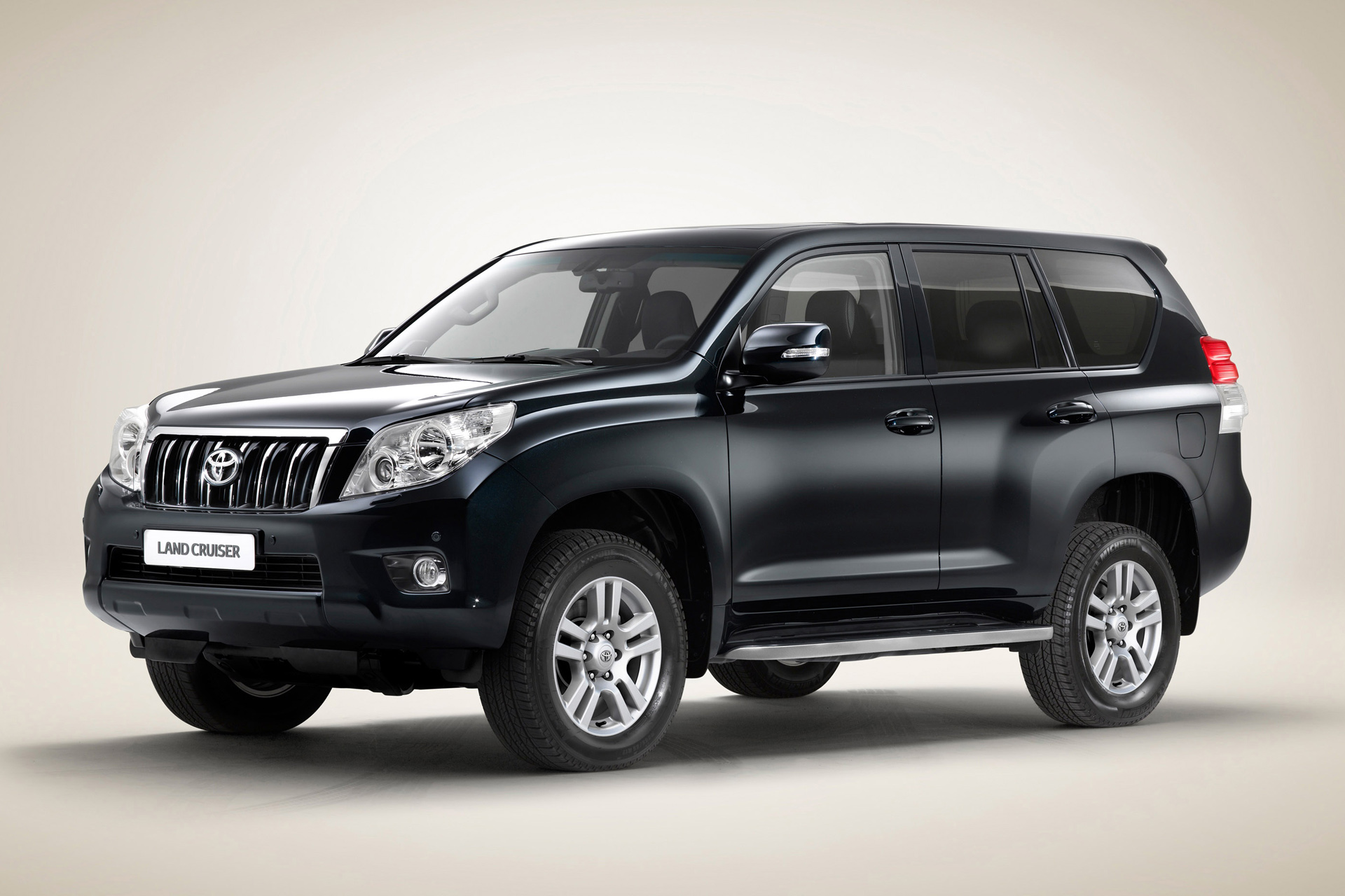 Toyota Land Cruiser Prado 150 Photos Photogallery With