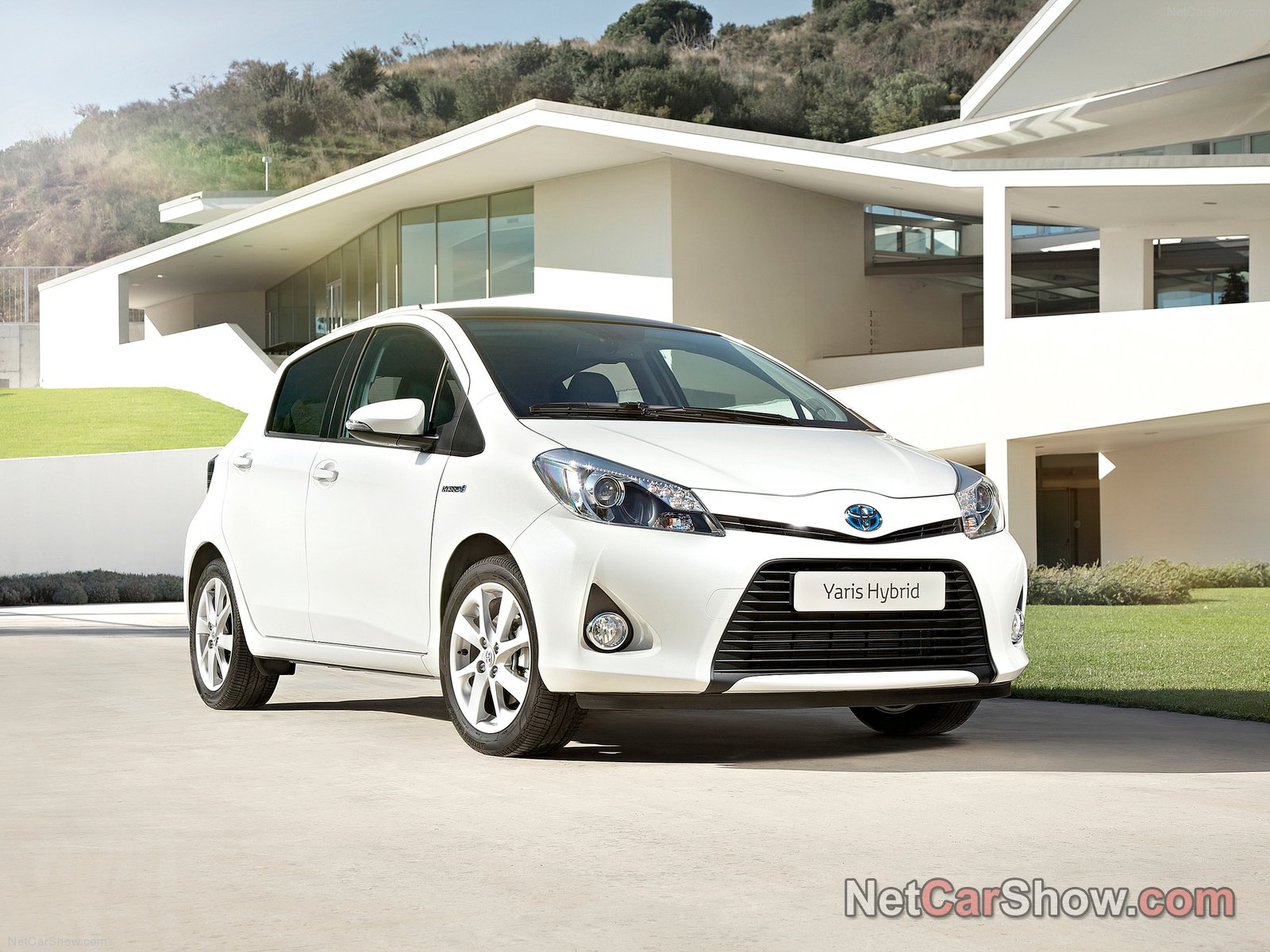 toyota yaris hybrid picture 92554 toyota photo gallery. Black Bedroom Furniture Sets. Home Design Ideas