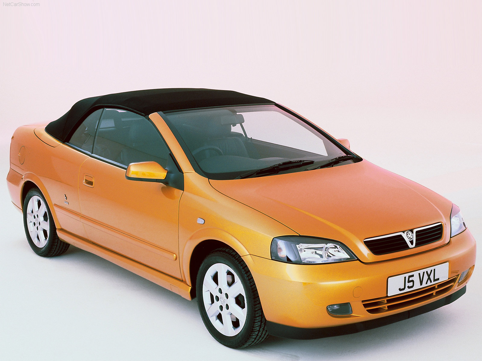 vauxhall astra convertible photos photogallery with 5 pics. Black Bedroom Furniture Sets. Home Design Ideas