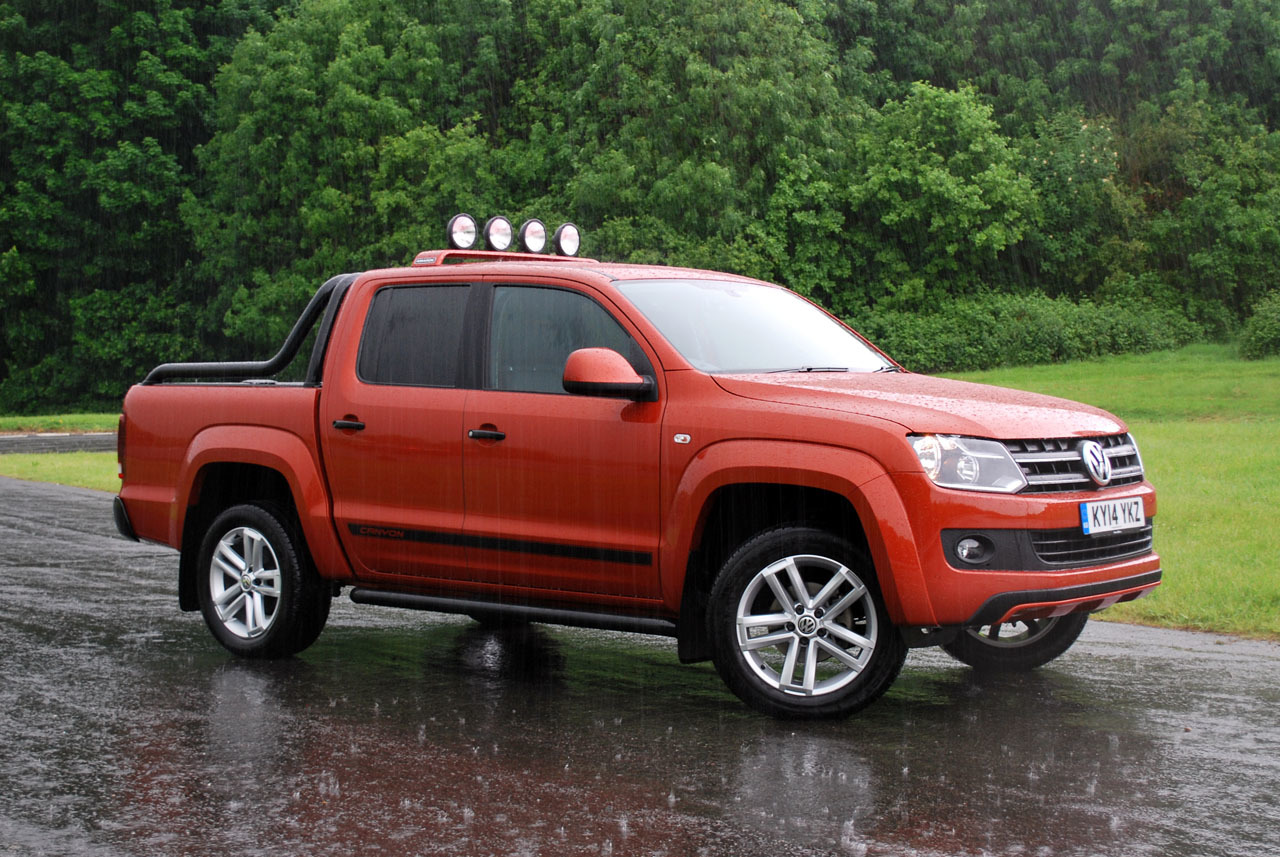 volkswagen amarok canyon photos photogallery with 22 pics. Black Bedroom Furniture Sets. Home Design Ideas