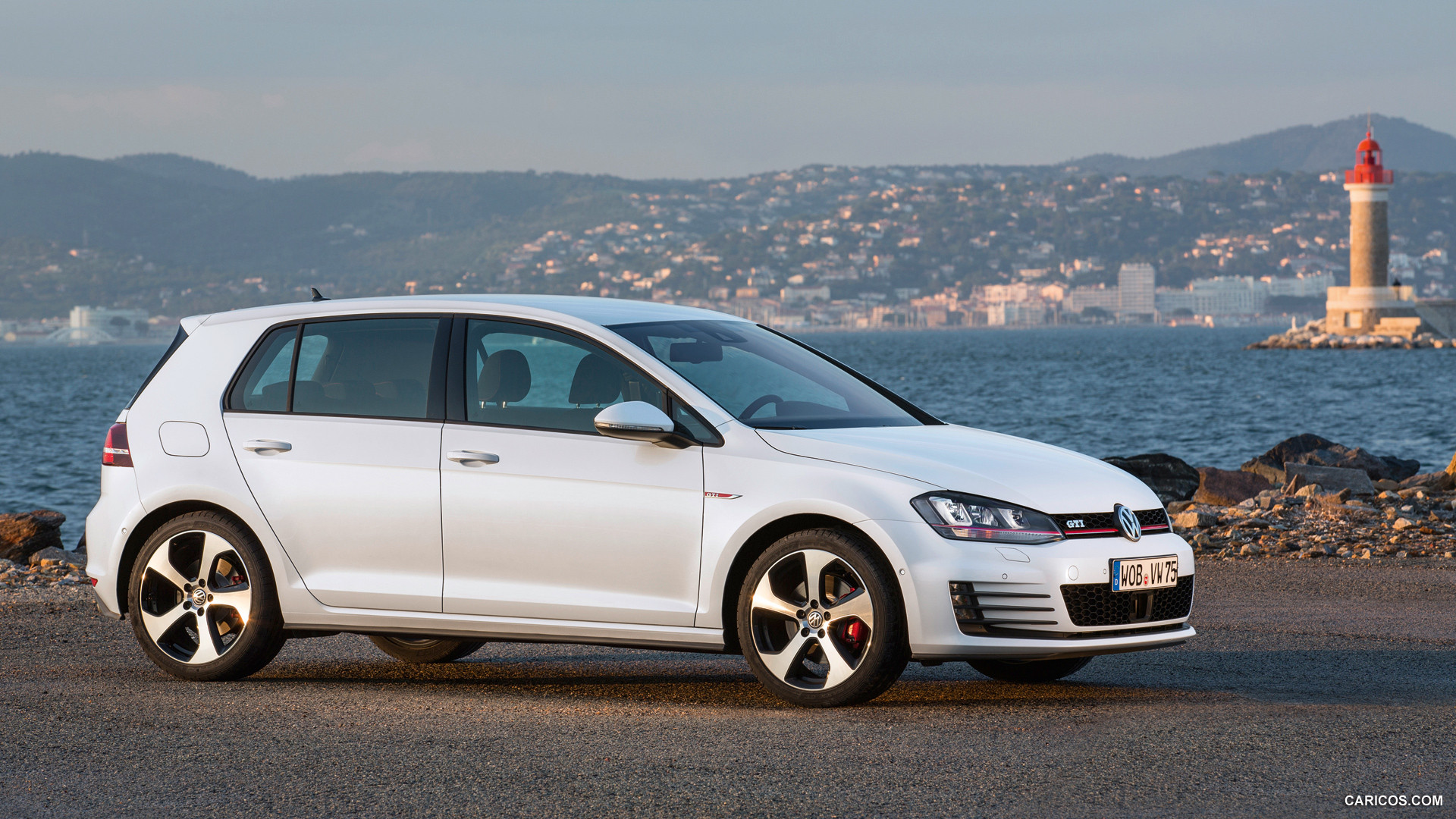 volkswagen golf gti vii photos photogallery with 36 pics. Black Bedroom Furniture Sets. Home Design Ideas