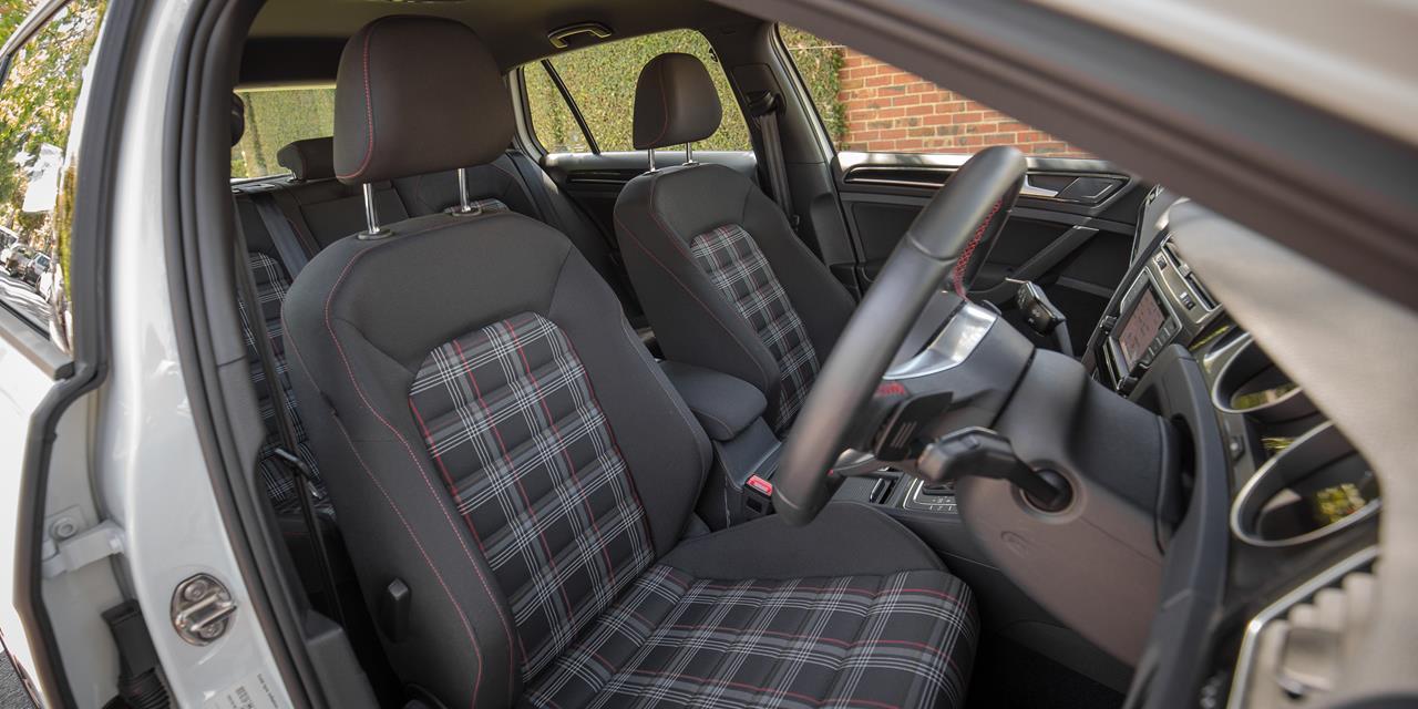 Volkswagen Golf GTI photo 171610