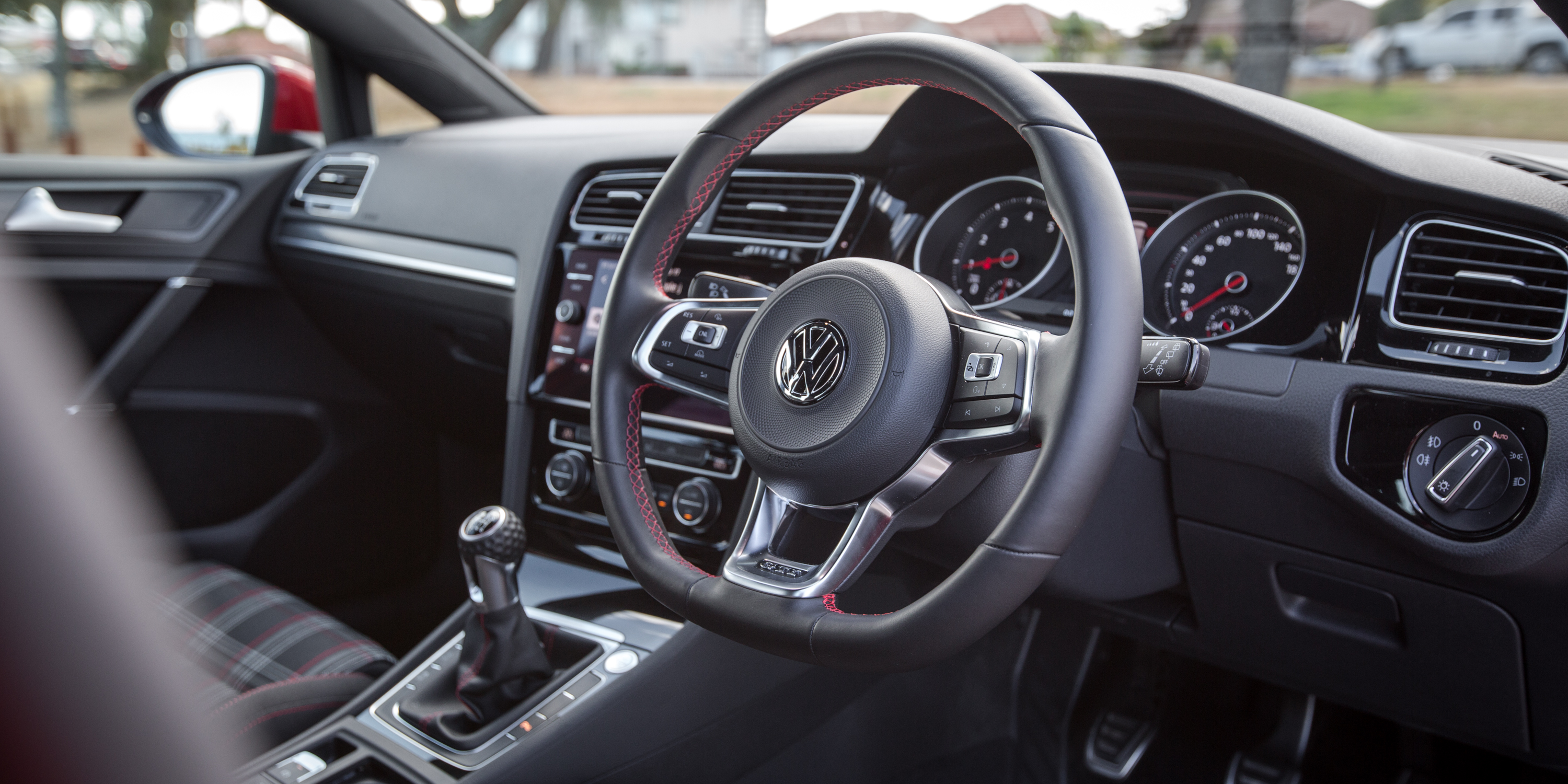 Volkswagen Golf GTI photo 183026